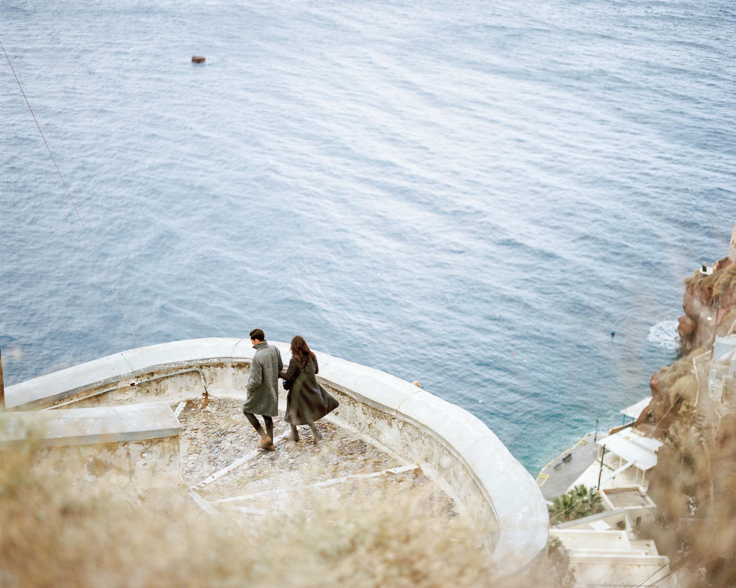 celinehamelin-photographe-couple-argentique-loversession-grece-santorin-argentique-filmphotography-greece4.jpg