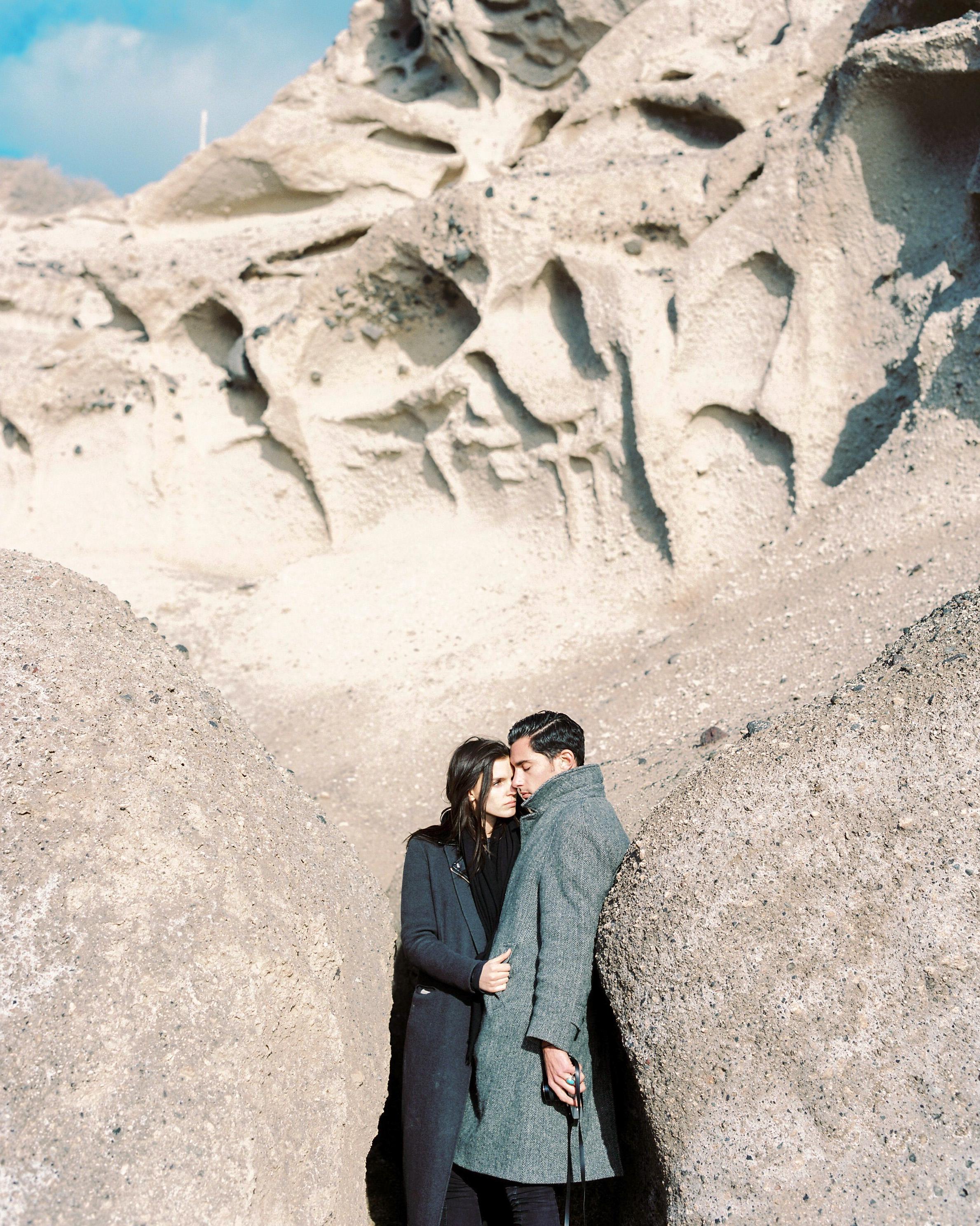 celinehamelin-photographe-couple-argentique-loversession-grece-santorin-argentique-filmphotography-greece13.jpg