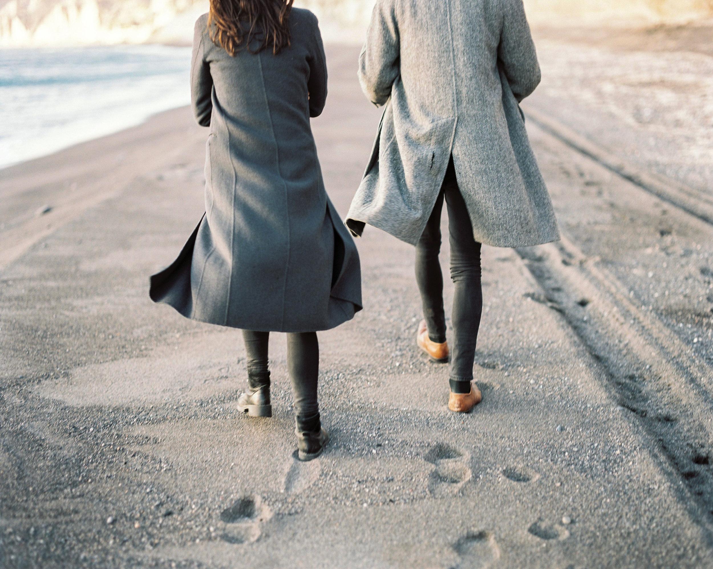 celinehamelin-photographe-couple-argentique-loversession-grece-santorin-argentique-filmphotography-greece17.jpg