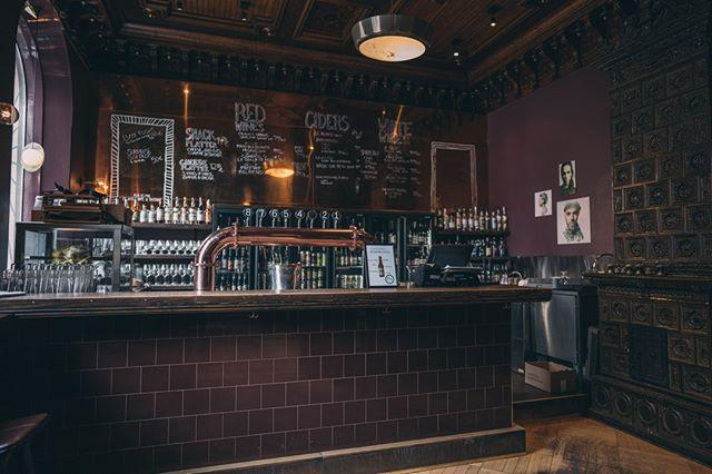 Se ois lauantai, joten päivän vaikein päätös on: pullo vai hana?🍺 Kurkkaa päivän valikoima: www.bier-bier.fi/valikoima #bierbierhelsinki