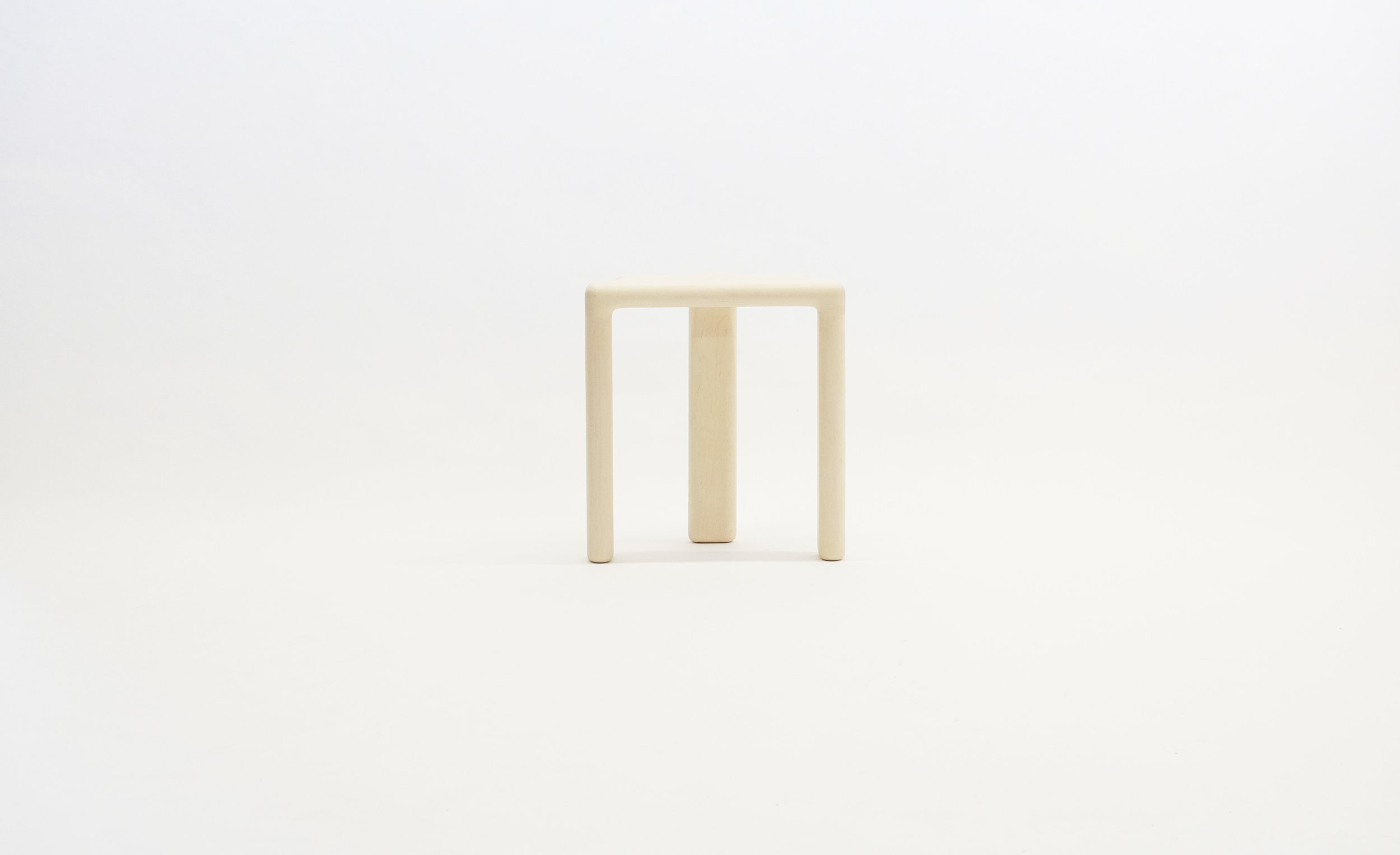stool_bone_06a_white_loicbard.jpg