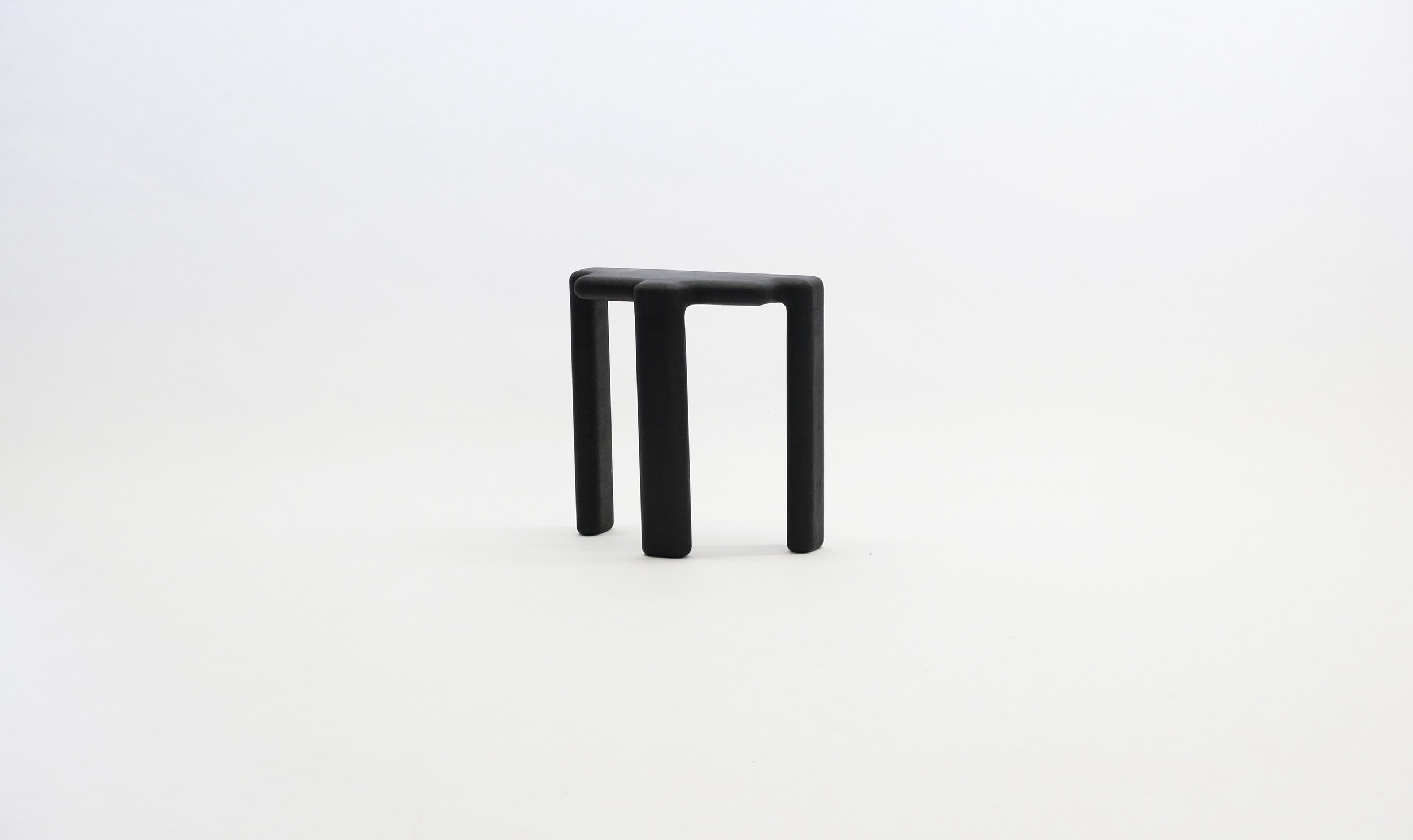 stool_bone_06a_black_loicbard.jpg