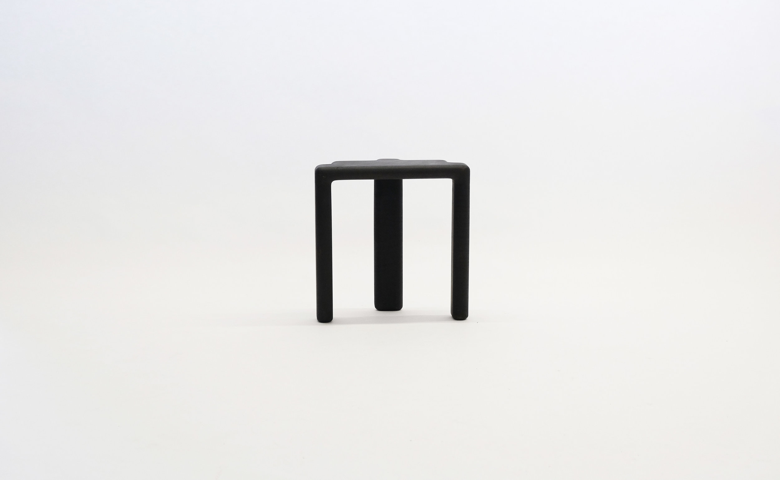 stool_bone_06b_black_loicbard.jpg