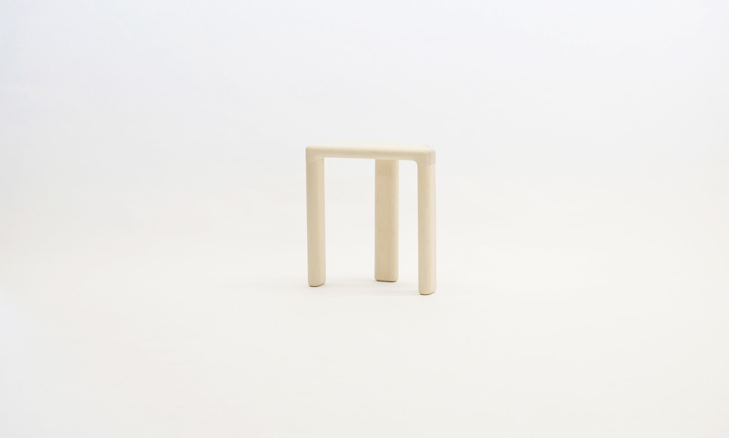stool_bone_06b_white_loicbard.jpg