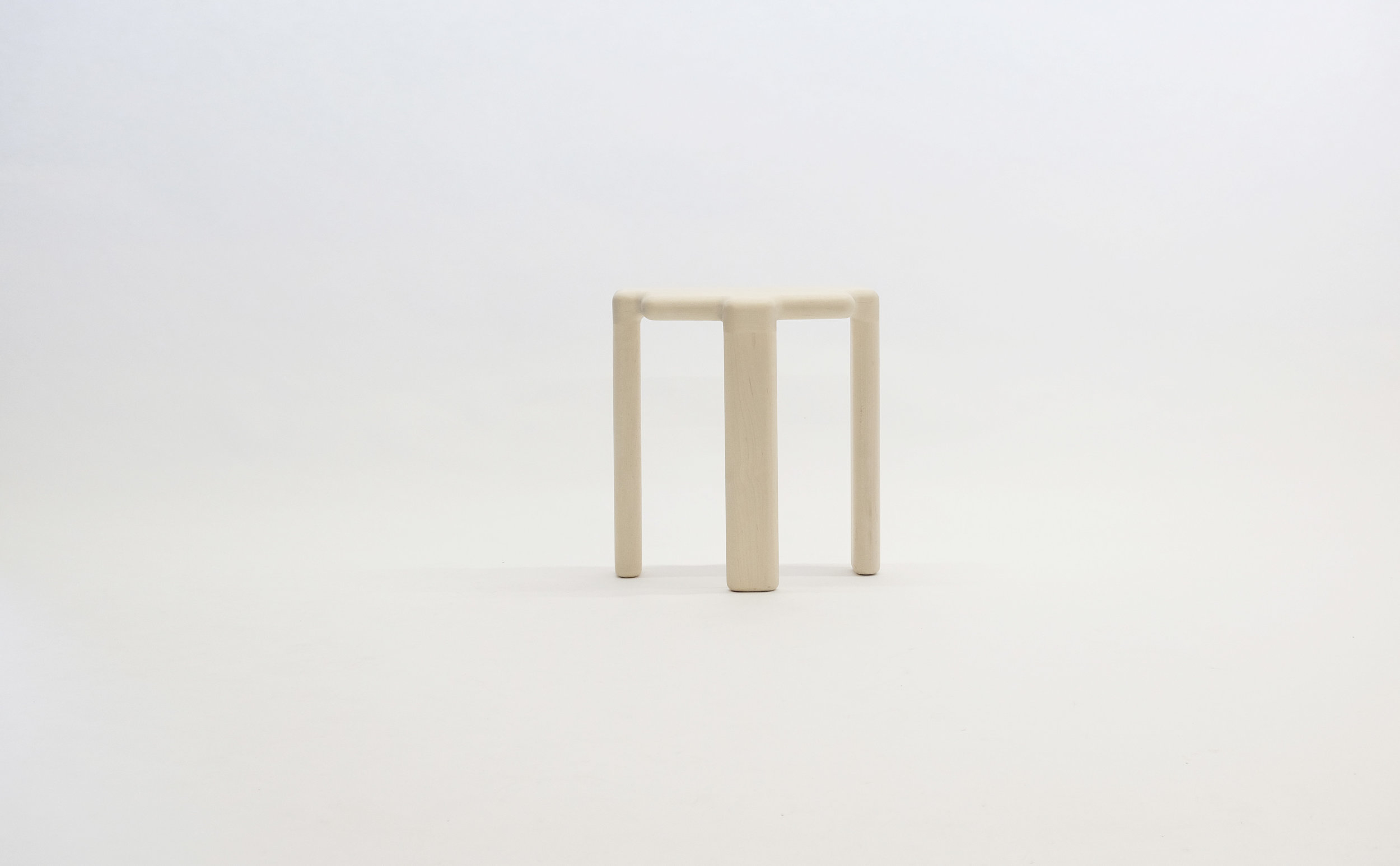 stool_bone_06c_white_loicbard.jpg