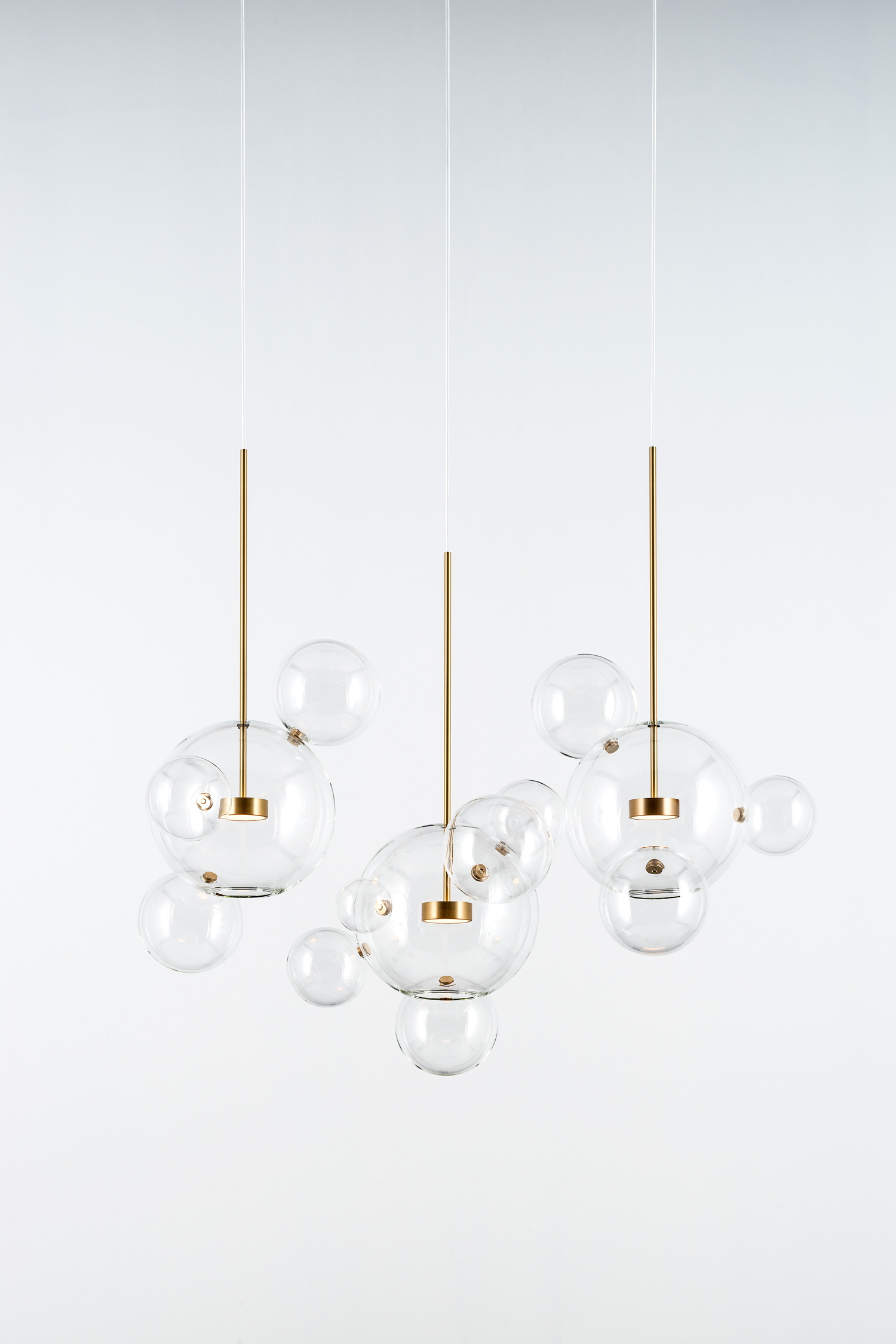 Giopato_Coombes_Bolle_Linear_Chandelier_14_Bubbles_Ph_FedericoVilla.jpg