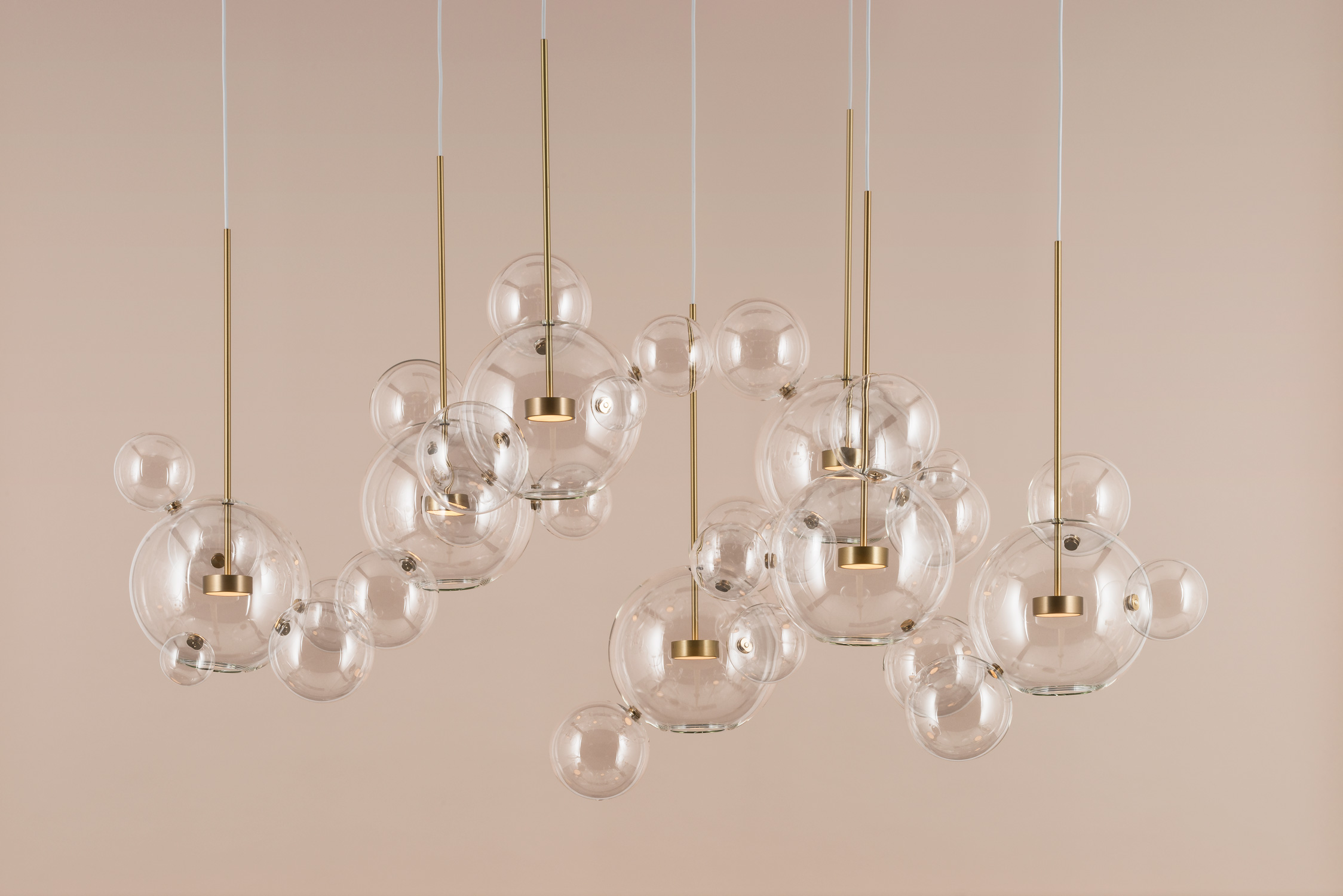 Giopato_Coombes_Bolle_Zigzag_Chandelier_34_Bubbles_Ph_FedericoVilla.jpg