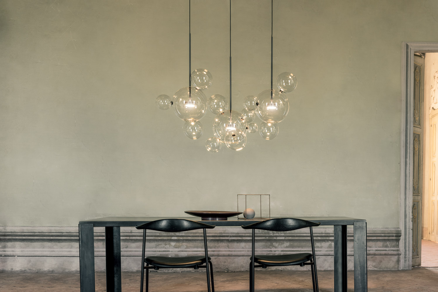 Giopato_coombes_Ph_Nathalie_Krag_2019_Bolle-Chandelier-14L_02_low.jpg