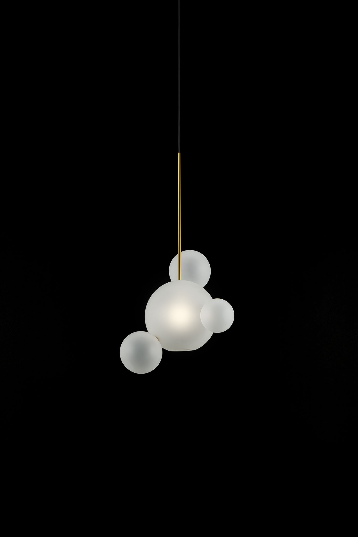 Giopato_Coombes_Bolle_Frosted_Pendant_04_Bubbles_Ph_FedericoVilla.jpg