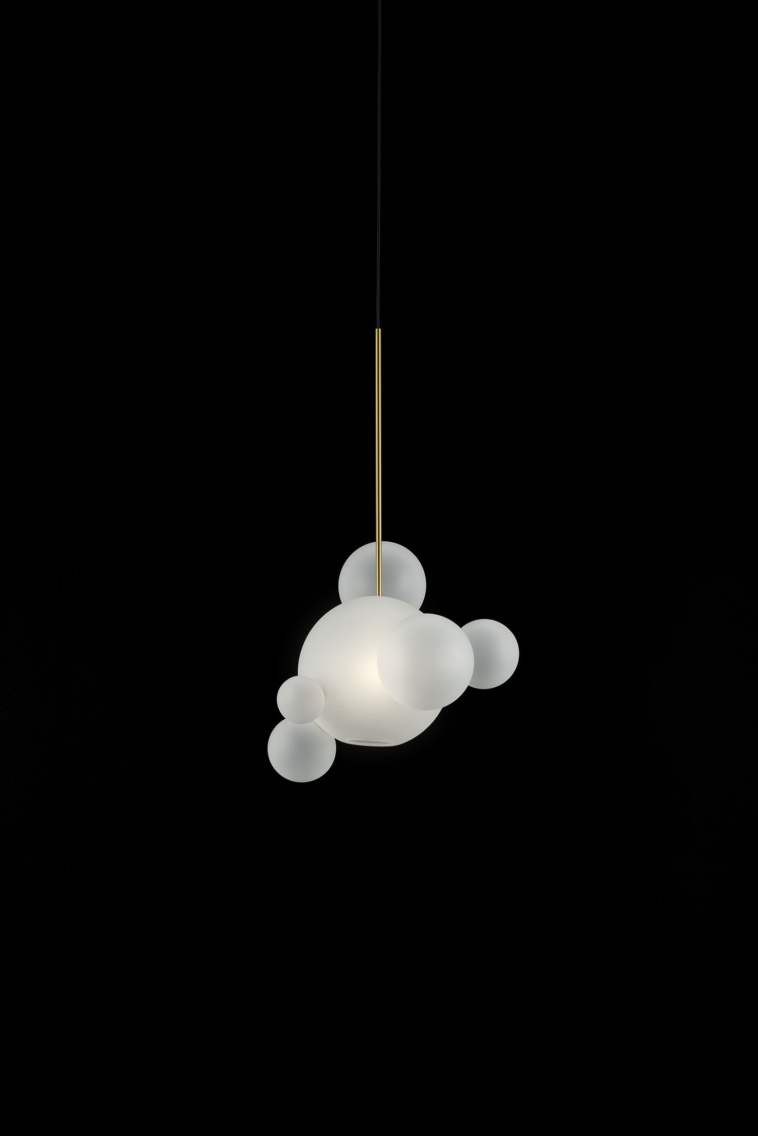 Giopato_Coombes_Bolle_Frosted_Pendant_06_Bubbles_Ph_FedericoVilla.jpg