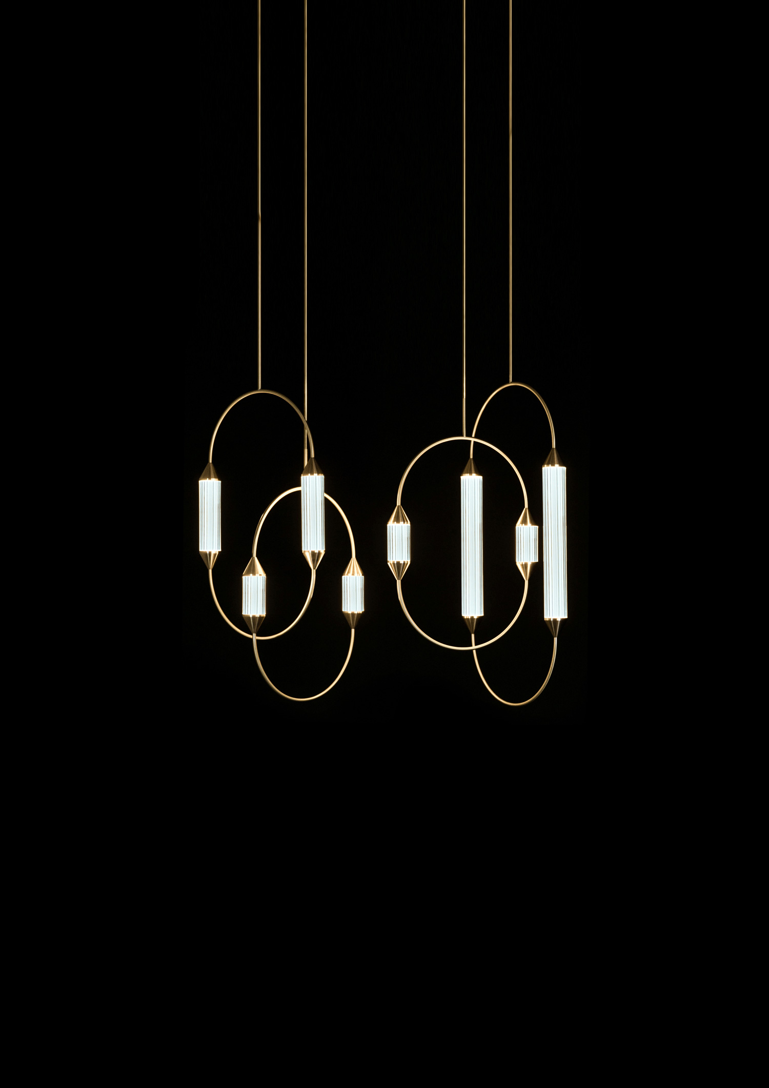 Giopato_Coombes_Cirque_Chandelier_3_Medium_2_Ph_JonBronxl.jpg