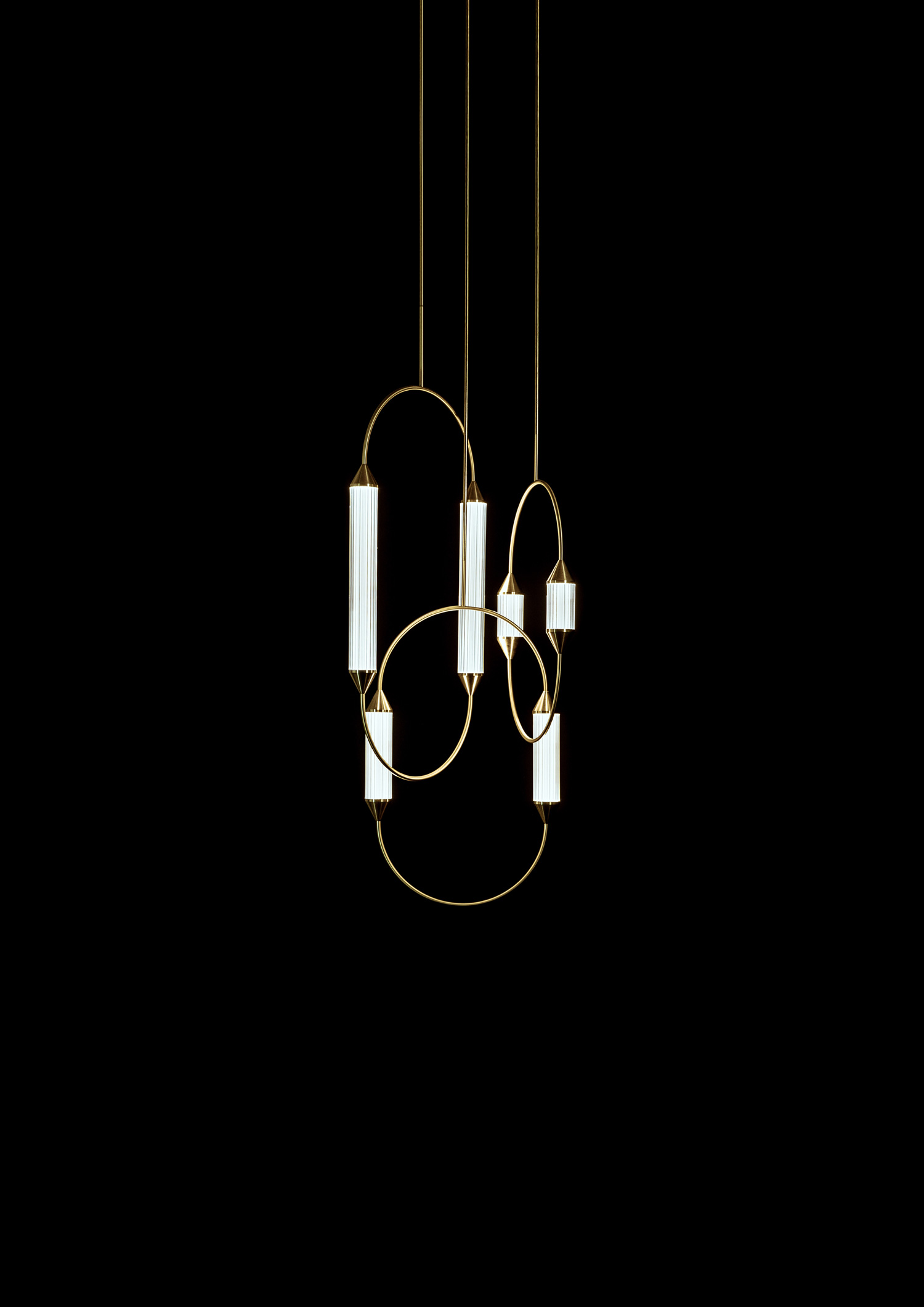Giopato_Coombes_Cirque_Chandelier_4_Medium_2_Ph_JonBronxl.jpg