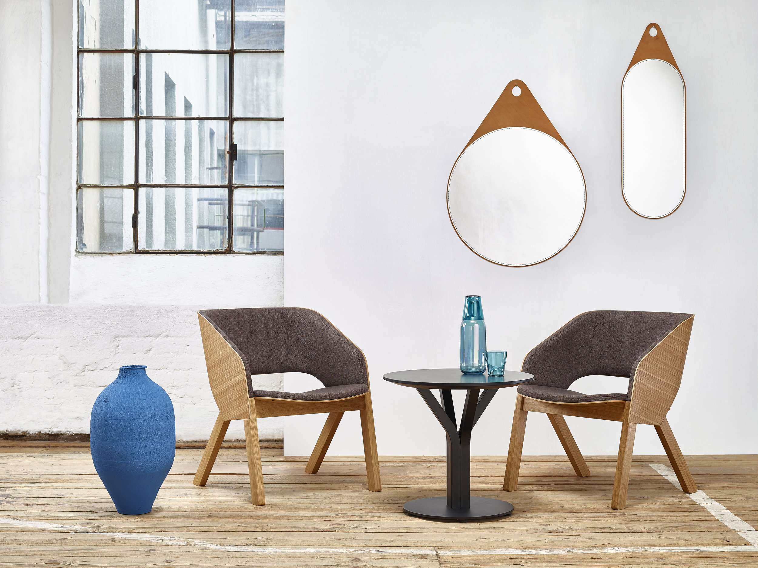 Merano lounge armchair & Bloom central_location.jpg
