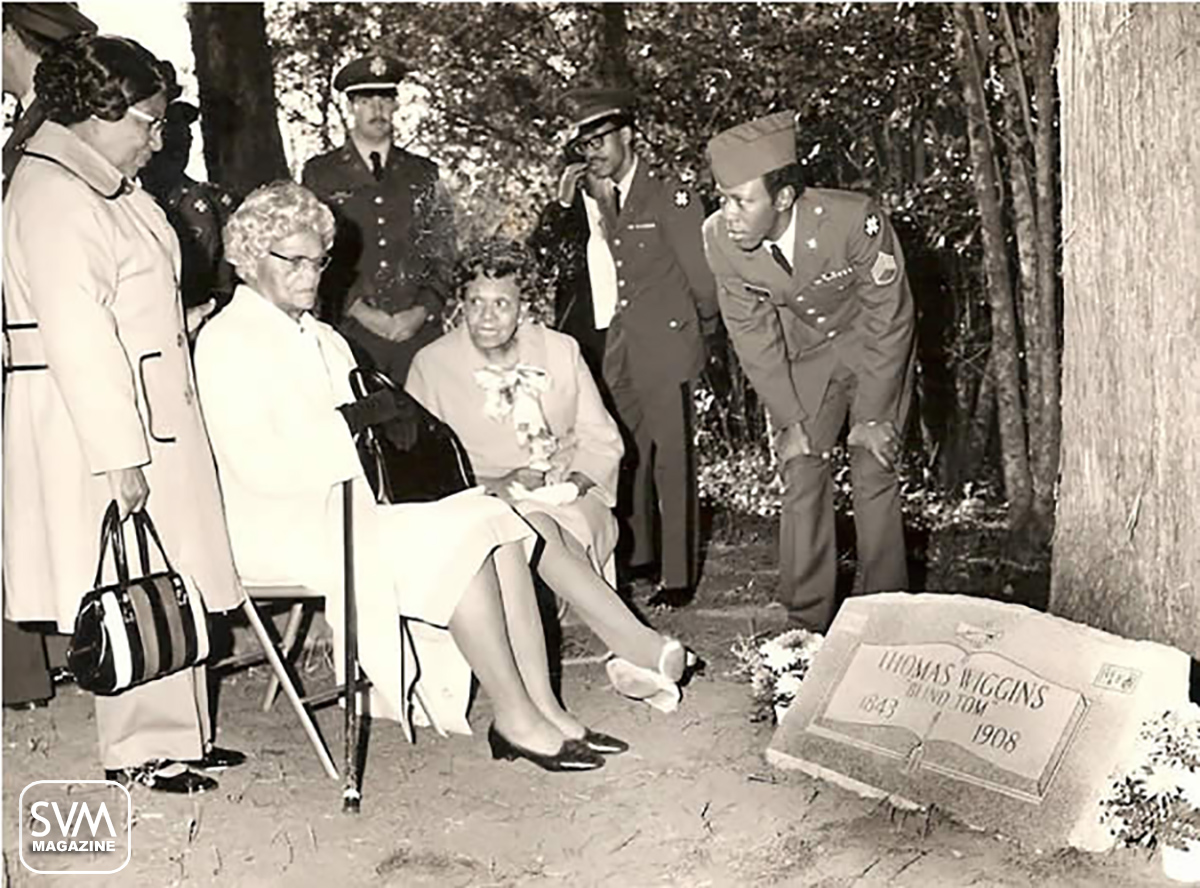 Blind Tom Midland, Ga grave marker Dedication with his niece Carrie Wiggins Ford present copy.jpg