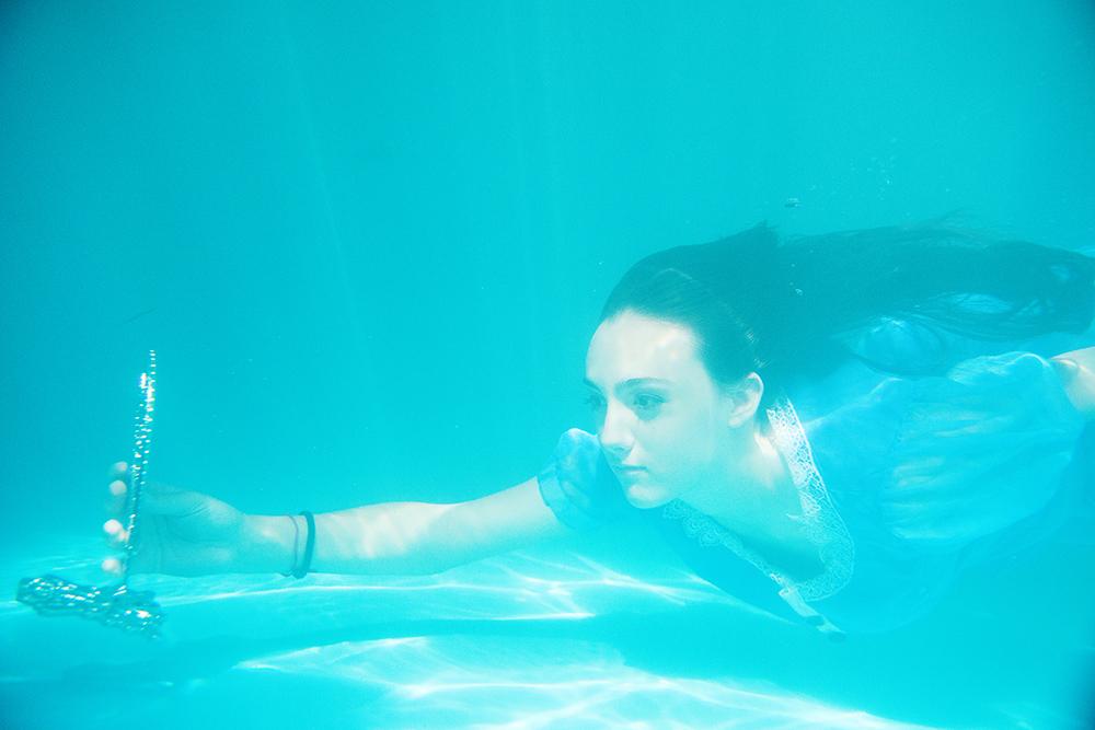 008-15anos-andressa-festade15anos-alice-nopaisdasmaravilhas-guswanderley-ensaio-aquatico-fotos-aquaticas.jpg
