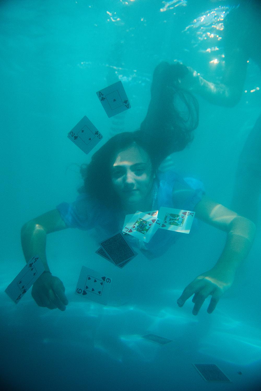 009-15anos-andressa-festade15anos-alice-nopaisdasmaravilhas-guswanderley-ensaio-aquatico-fotos-aquaticas.jpg