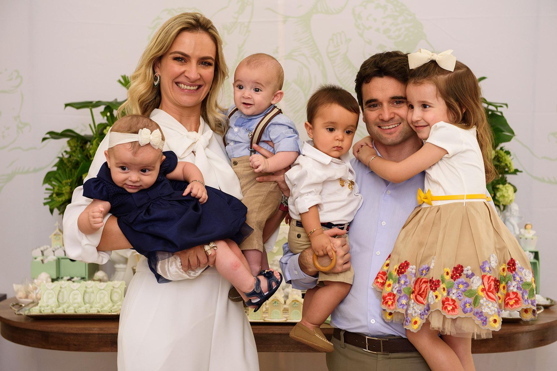 20_batizado_curitiba_fotografia_infantil_familias_fotografo_guswanderley.jpg