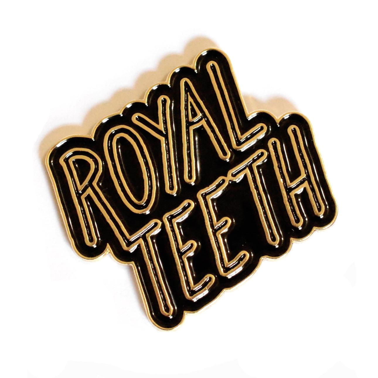 Royal Teeth Logo