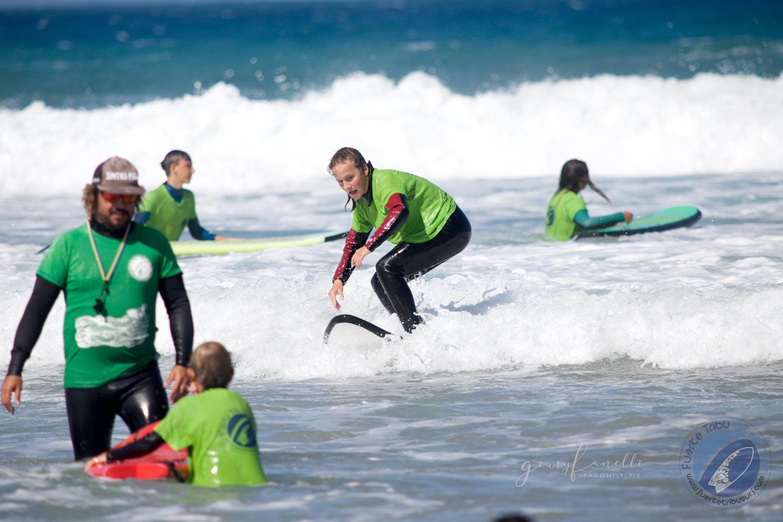 Fuertetribu_surfadaptado_adaptivesurfing_surf_kidsIMG_3365.jpg
