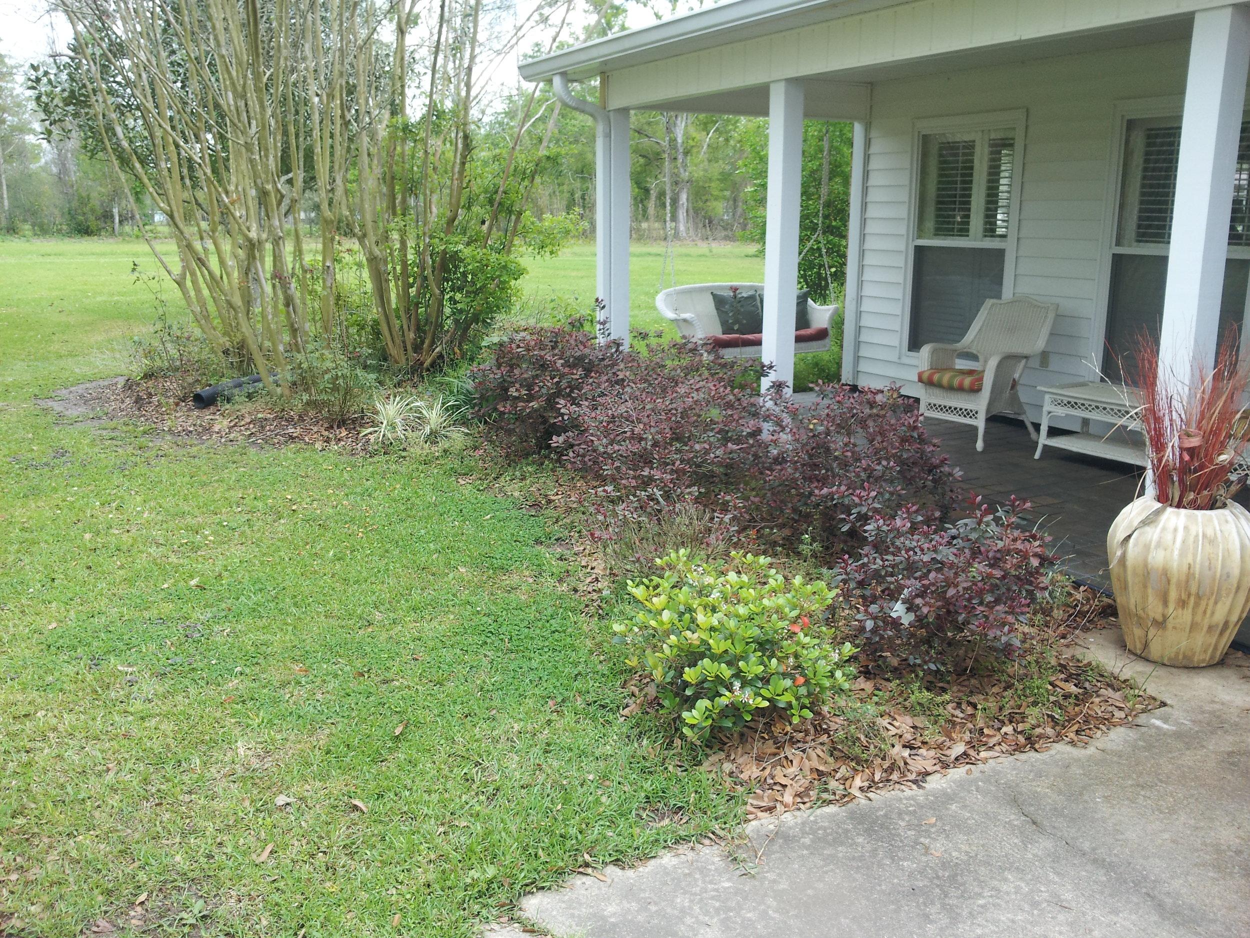flowerbed-maintenance-baton-rouge-area (2).jpg