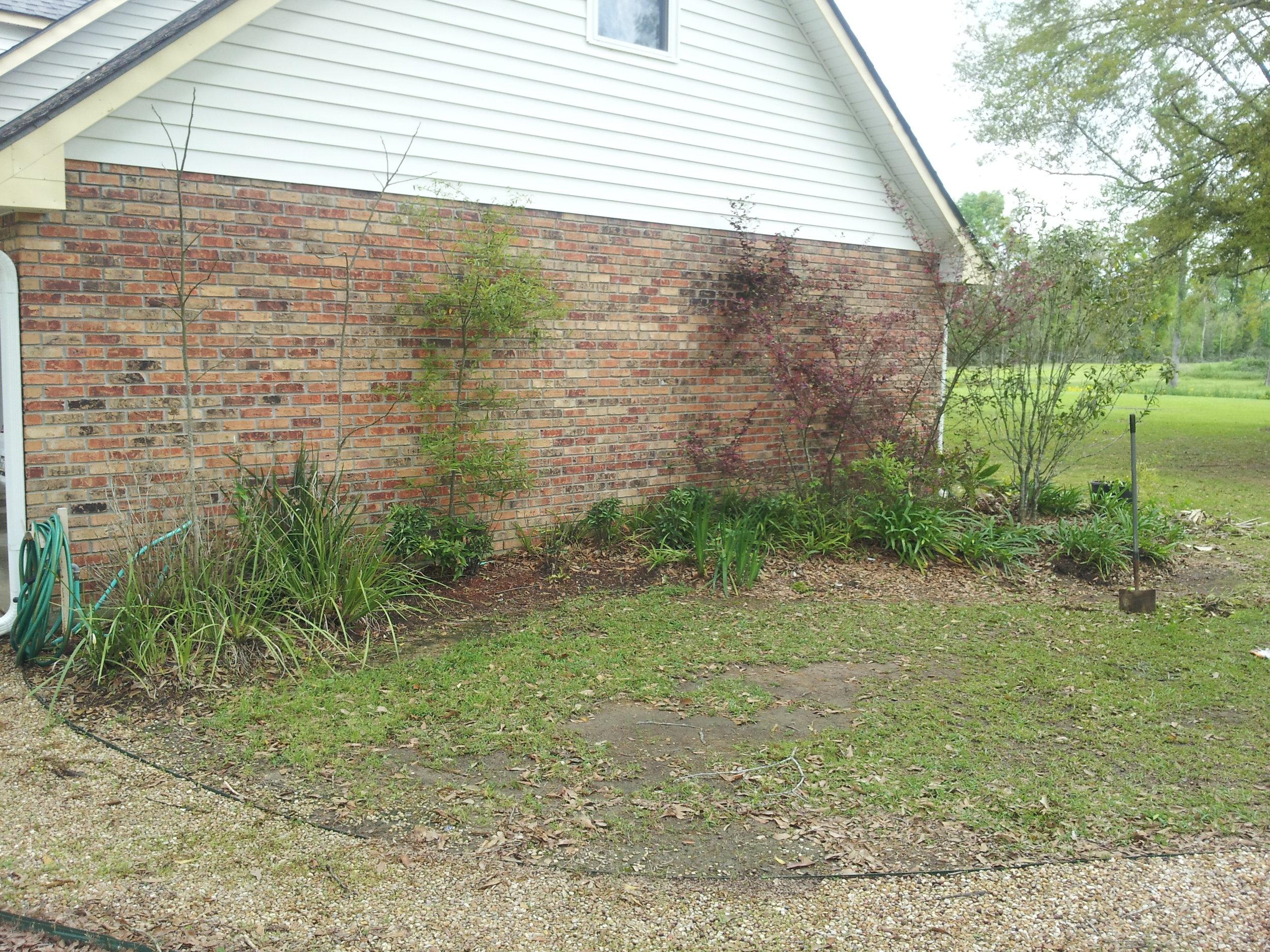 flowerbed-maintenance-baton-rouge-area (12).jpg