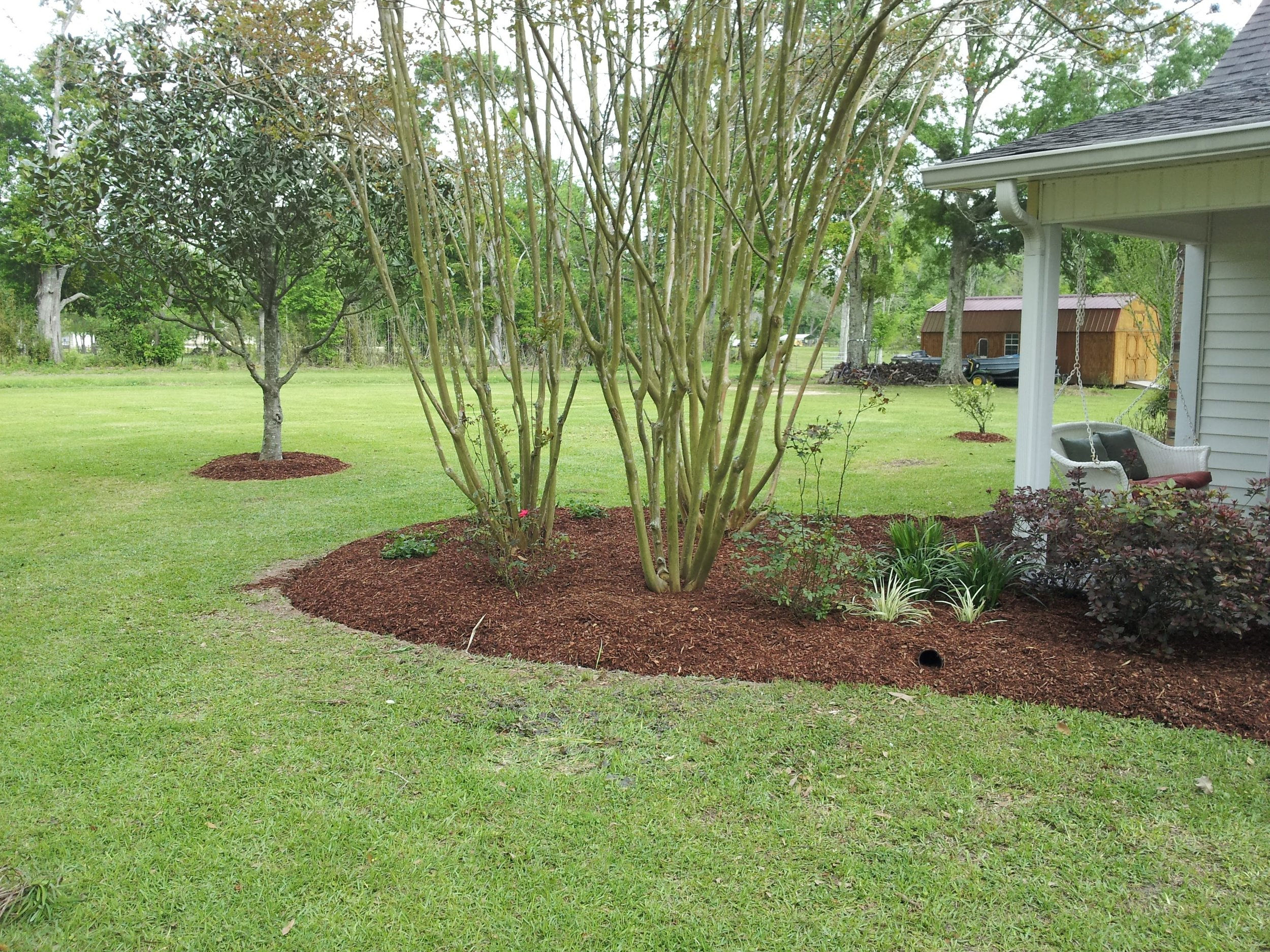 mulch-flowerbeds-baton-rouge-area (18).jpg