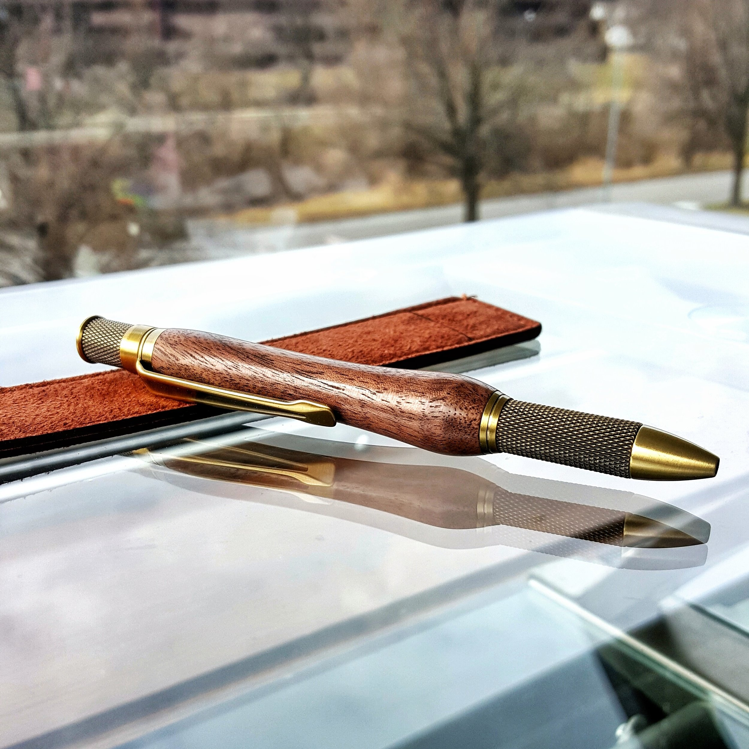 Walnut Knurl Pen