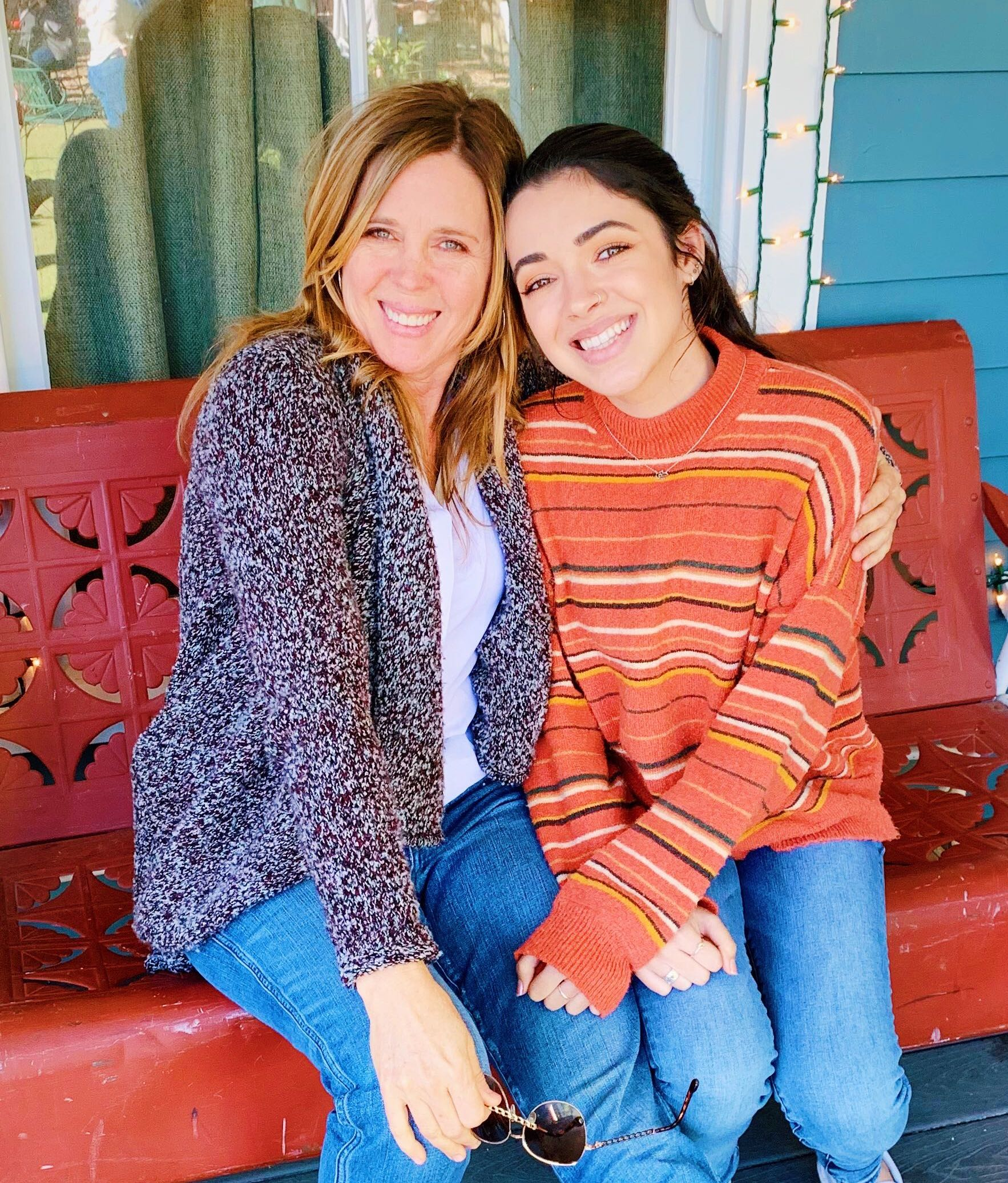 Wendy & her daughter at warner bros studios last week before dropping her DAUGHTER off to fly back to college