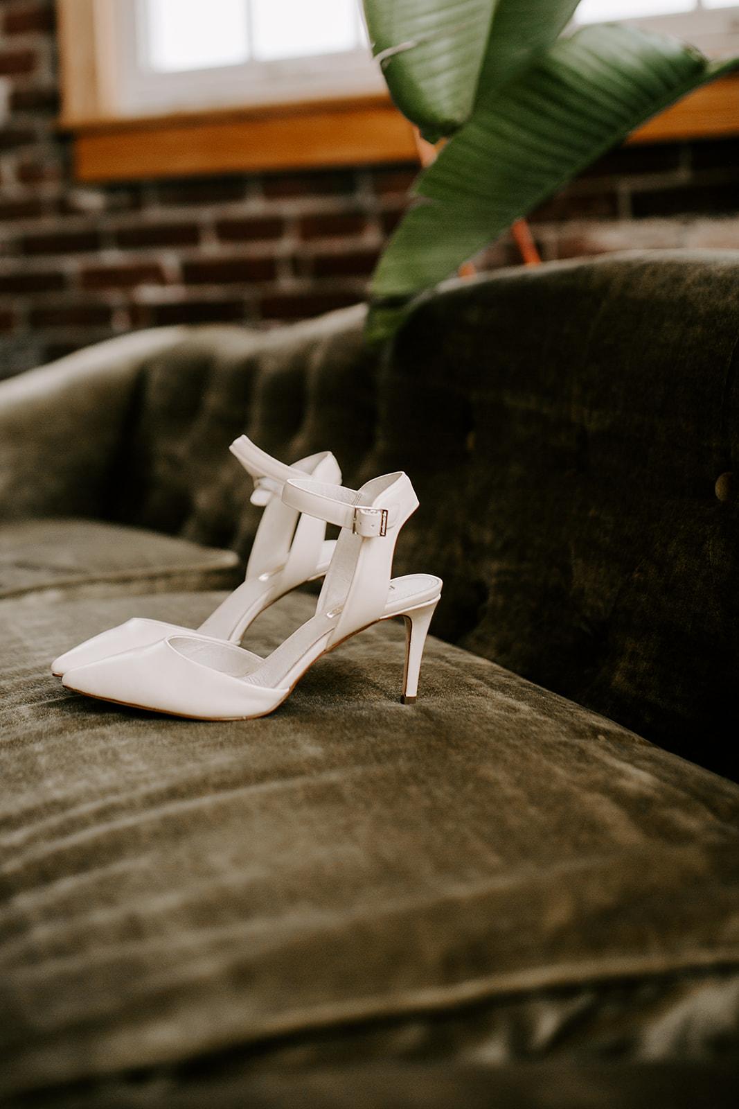 Rachel and Elliot Tinker House Wedding Indianapolis Indiana Emily Elyse Wehner Photography LLC43.jpg