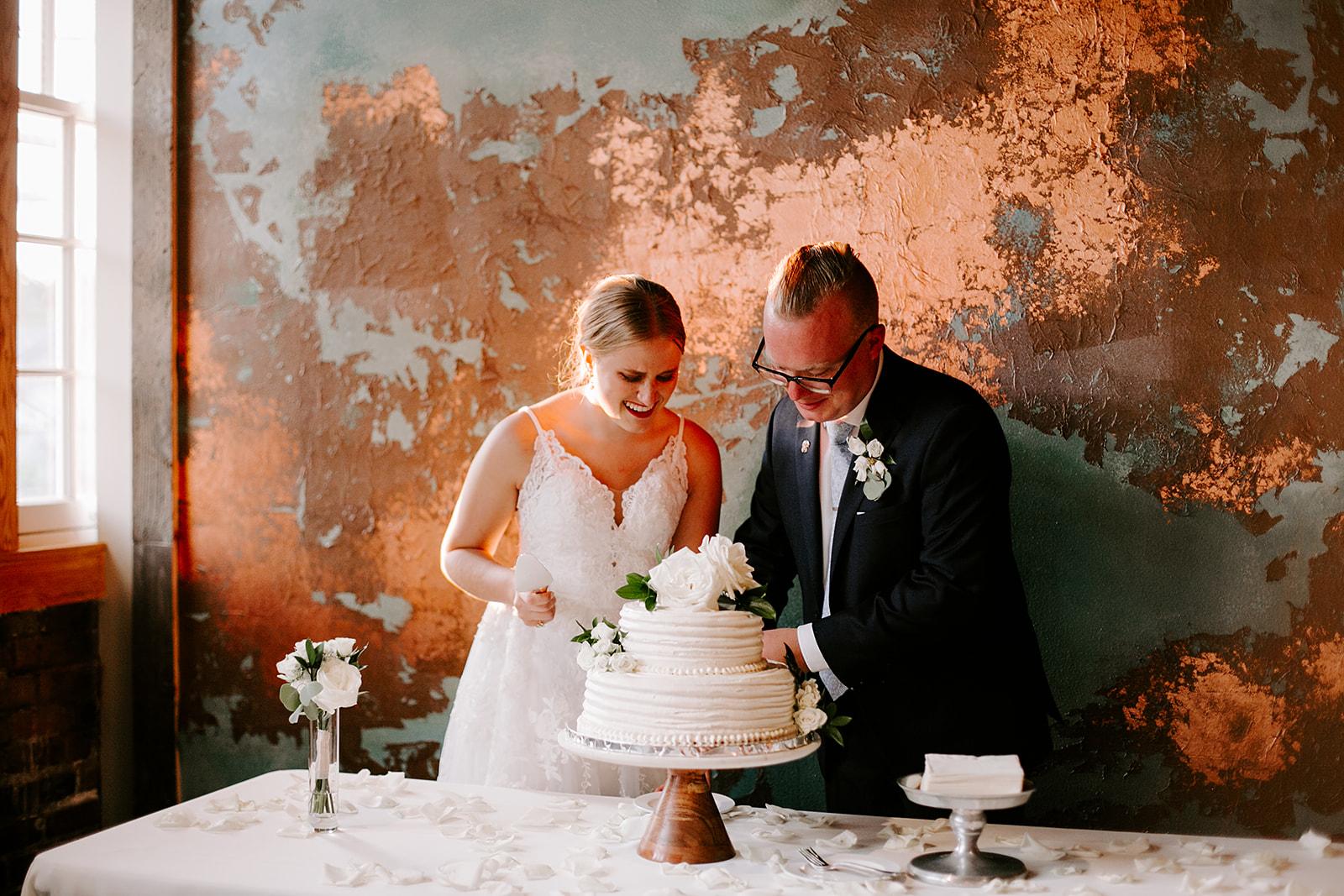 Rachel and Elliot Tinker House Wedding Indianapolis Indiana Emily Elyse Wehner Photography LLC759.jpg