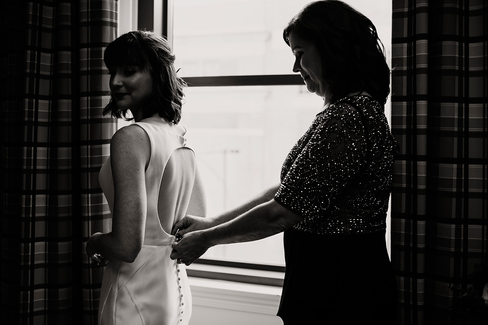 Emily and Davis_ Wedding at Vision Loft Indy in Indianapolis Indiana by Emily Elyse Wehner Photogrpahy LLC-39.jpg