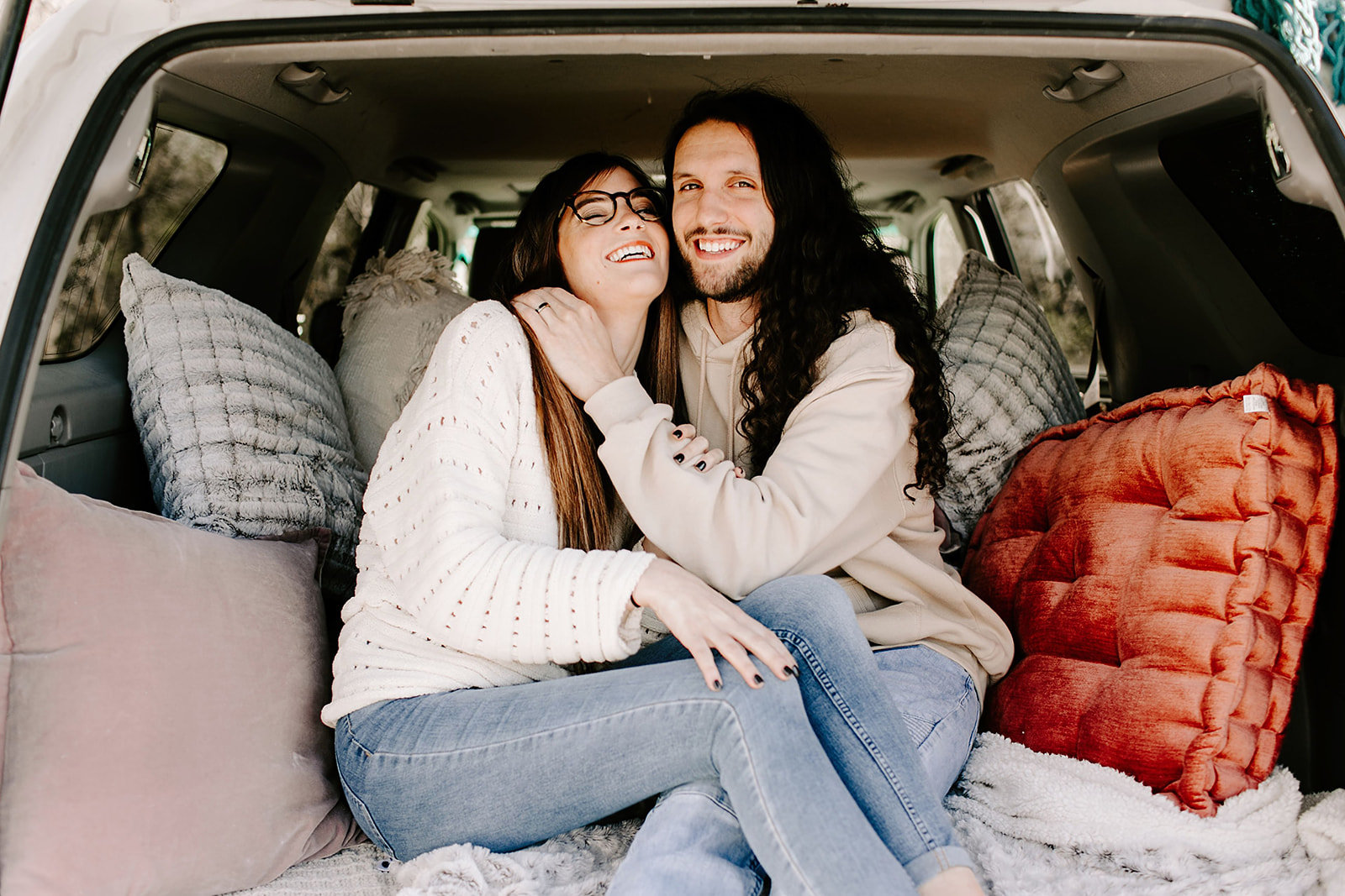 Couples-session-car-Indianapolis-2.jpg