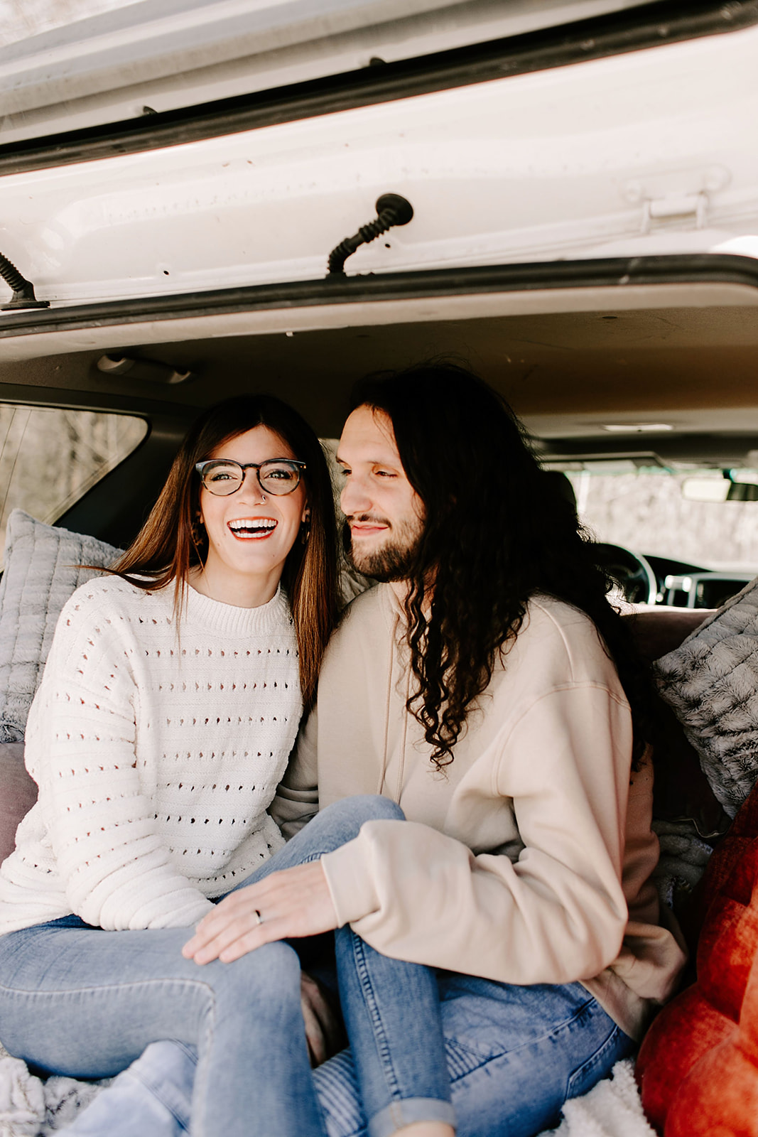 Couples-session-car-Indianapolis-3.jpg
