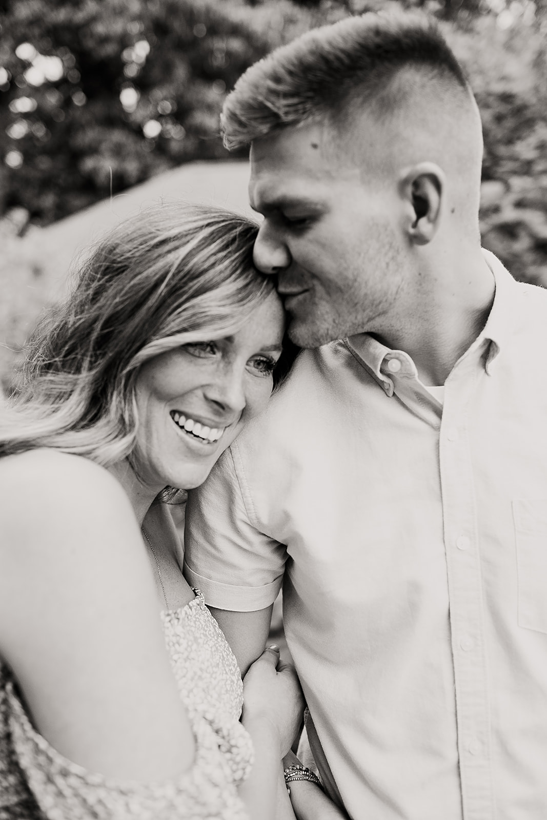 Casie_and_Sean_Maternity_session_at_cool_creek_park_in_Carmel_Indiana_by_Emily_Wehner-125.jpg