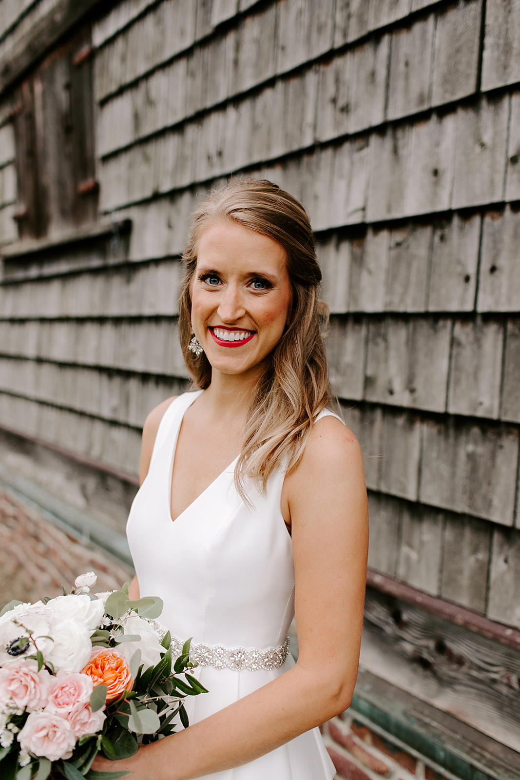 Bridal portrait with wedding flowers inspiration | Emily Wehner photography, Indiana wedding photographer