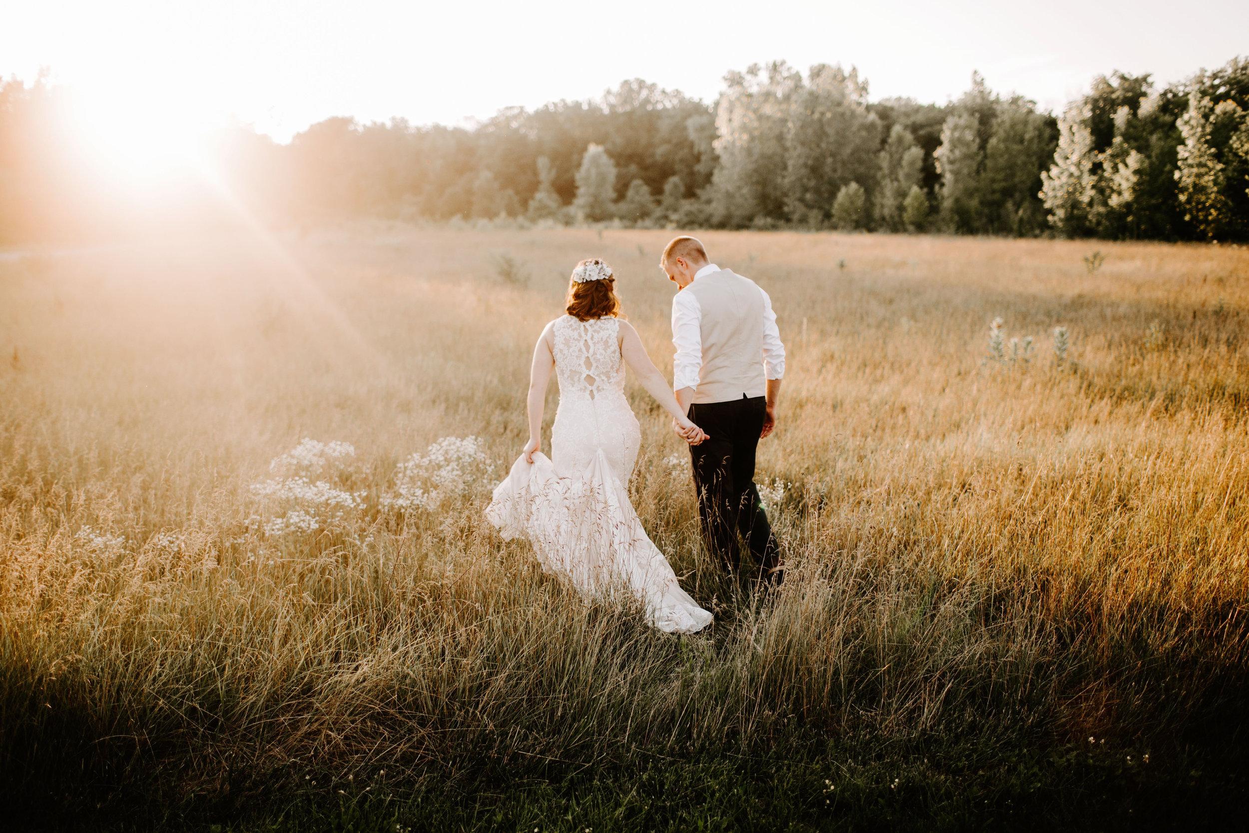 Payton_and_Austin_Avon_Indiana_Wedding_Emliy_Elyse_Wehner_Photogrpahy-838.jpg