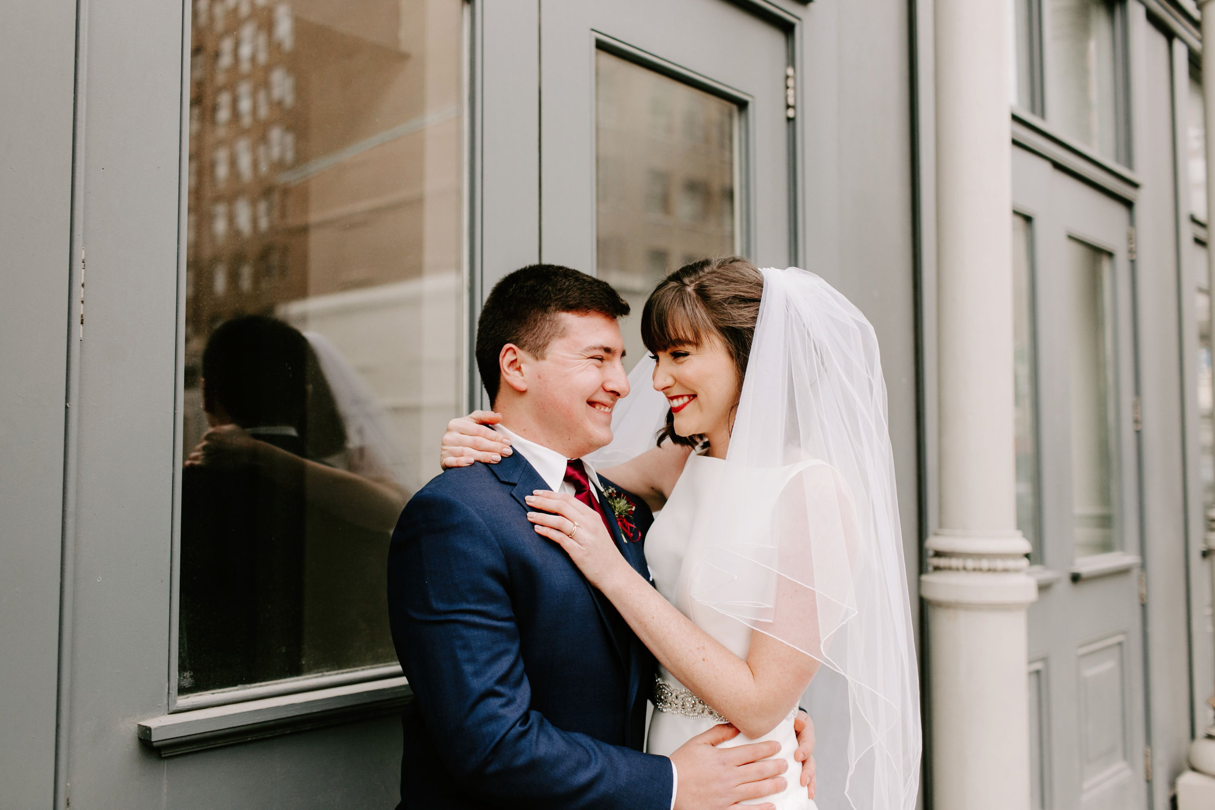 Emily and Davis' Wedding at Vision Loft Indy in Indianapolis Indiana by Emily Elyse Wehner Photogrpahy LLC-154.jpg