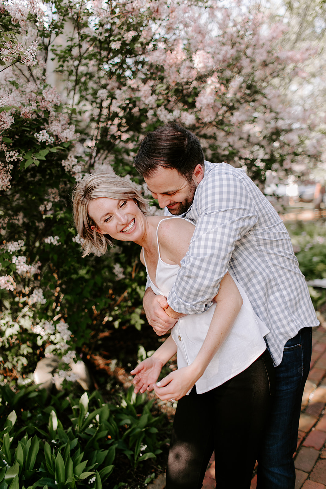 Outfit ideas for outdoor engagement session