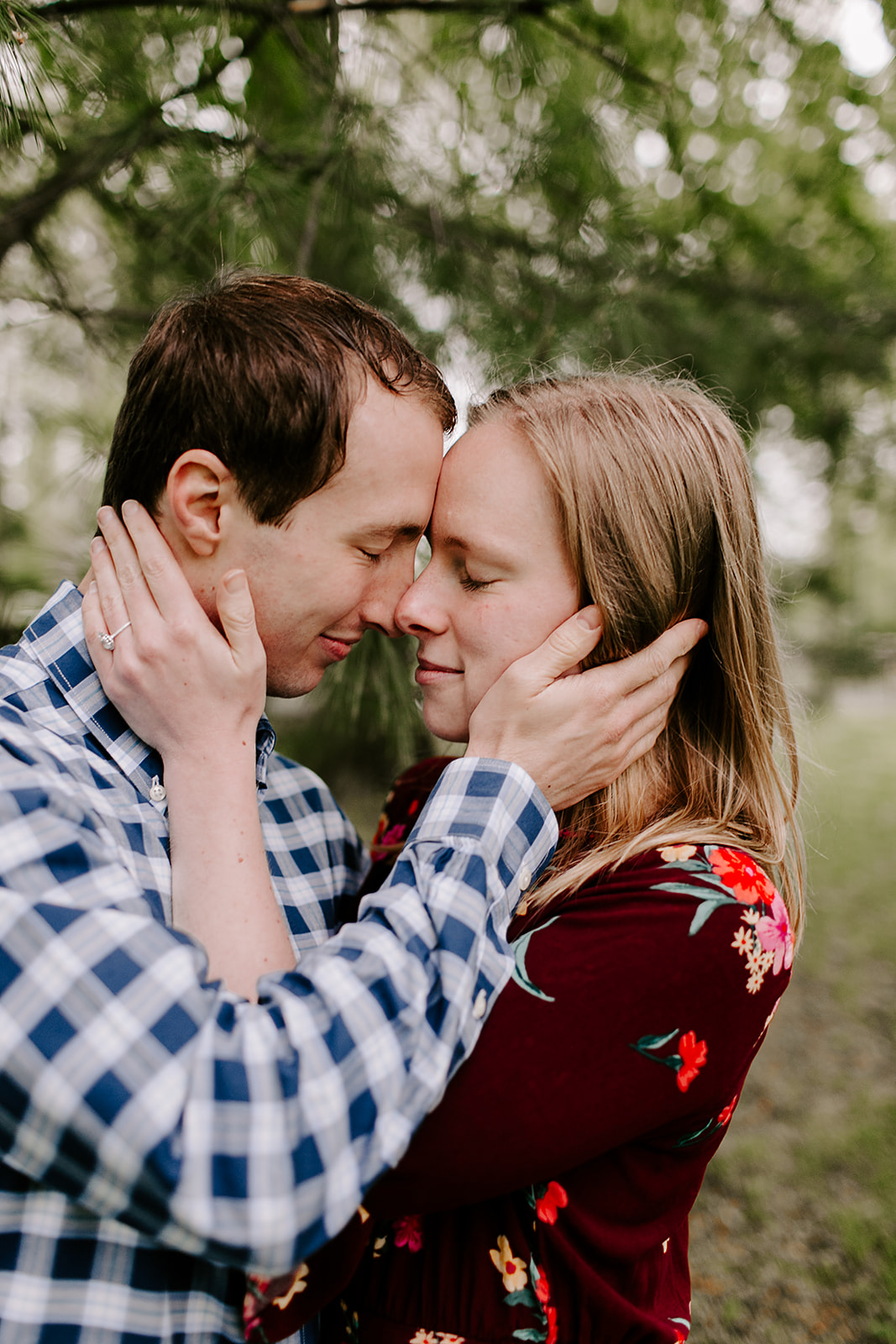 Rainy Noblesville Engagement Session including outfit ideas and posing inspiration | Photography by Emily Elyse Wehner, Noblesville Engagement photographer