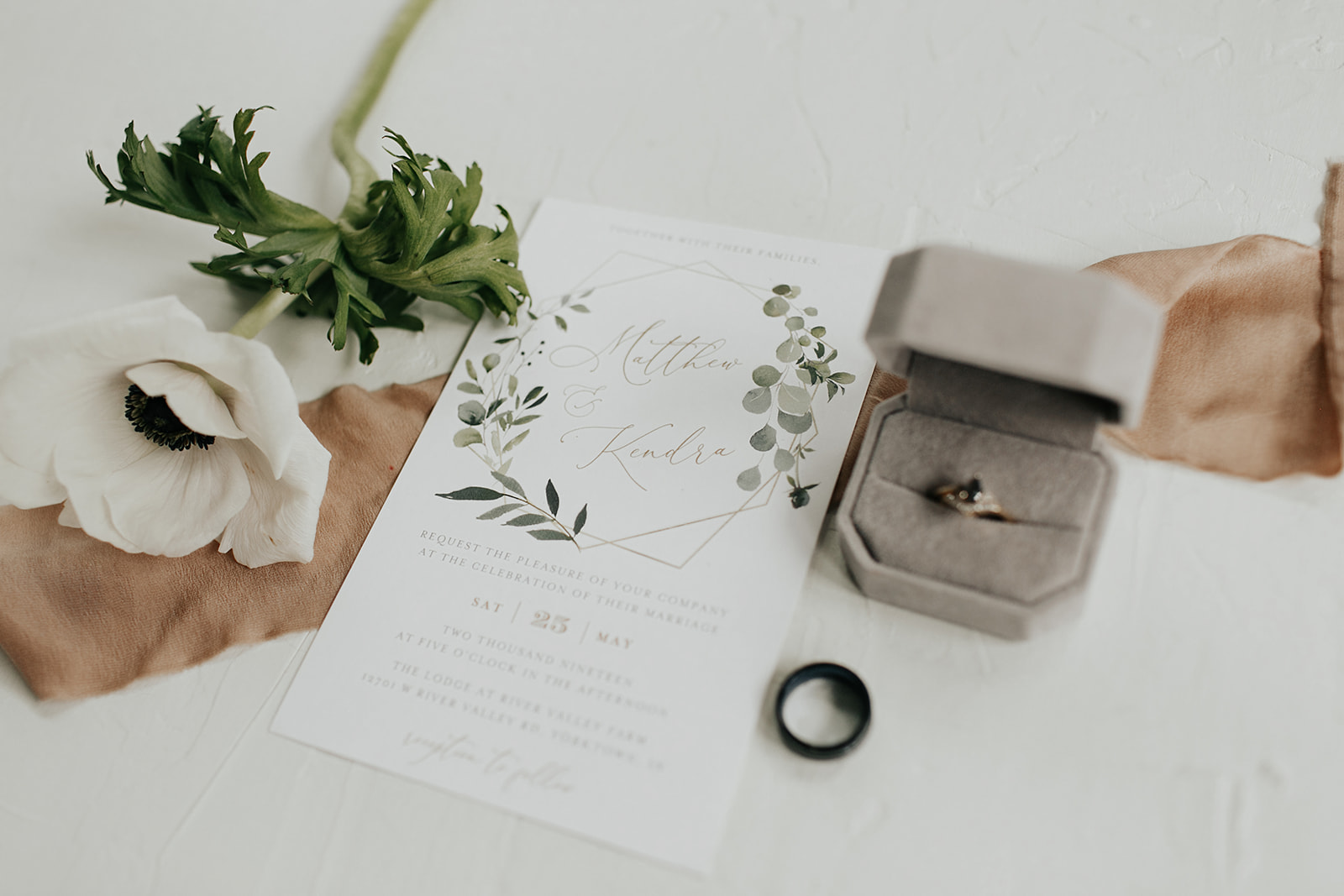 Kendra_and_Mattew_Indiana_Wedding_by_Emily_Wehner-38.jpg