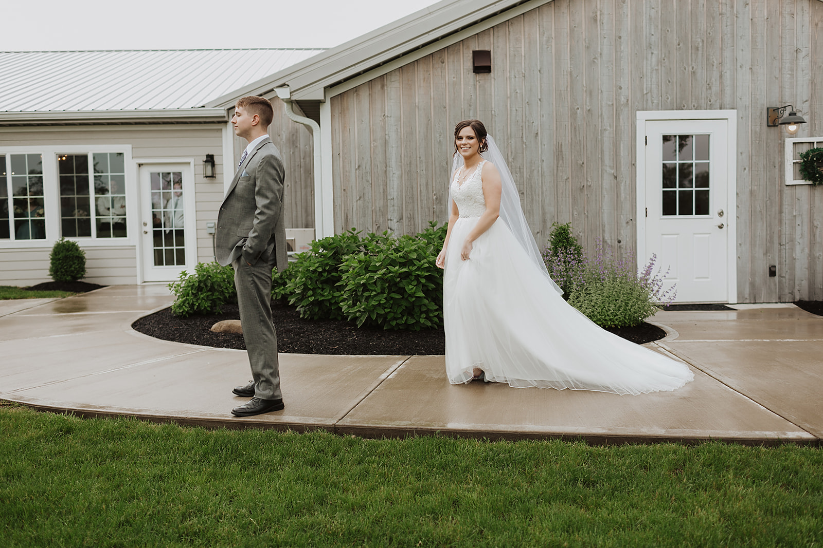Kendra_and_Mattew_Indiana_Wedding_by_Emily_Wehner-201.jpg
