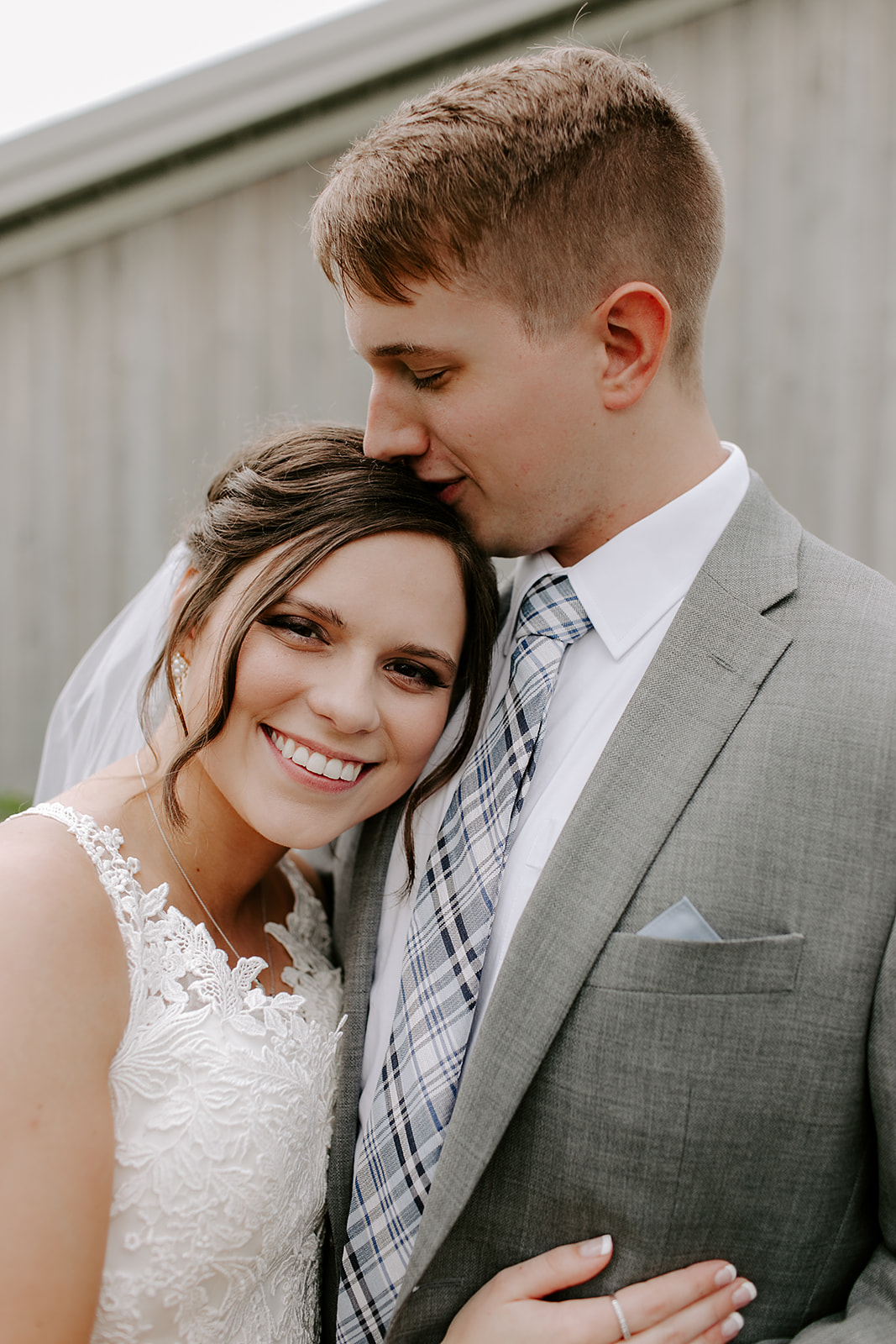 Kendra_and_Mattew_Indiana_Wedding_by_Emily_Wehner-231.jpg