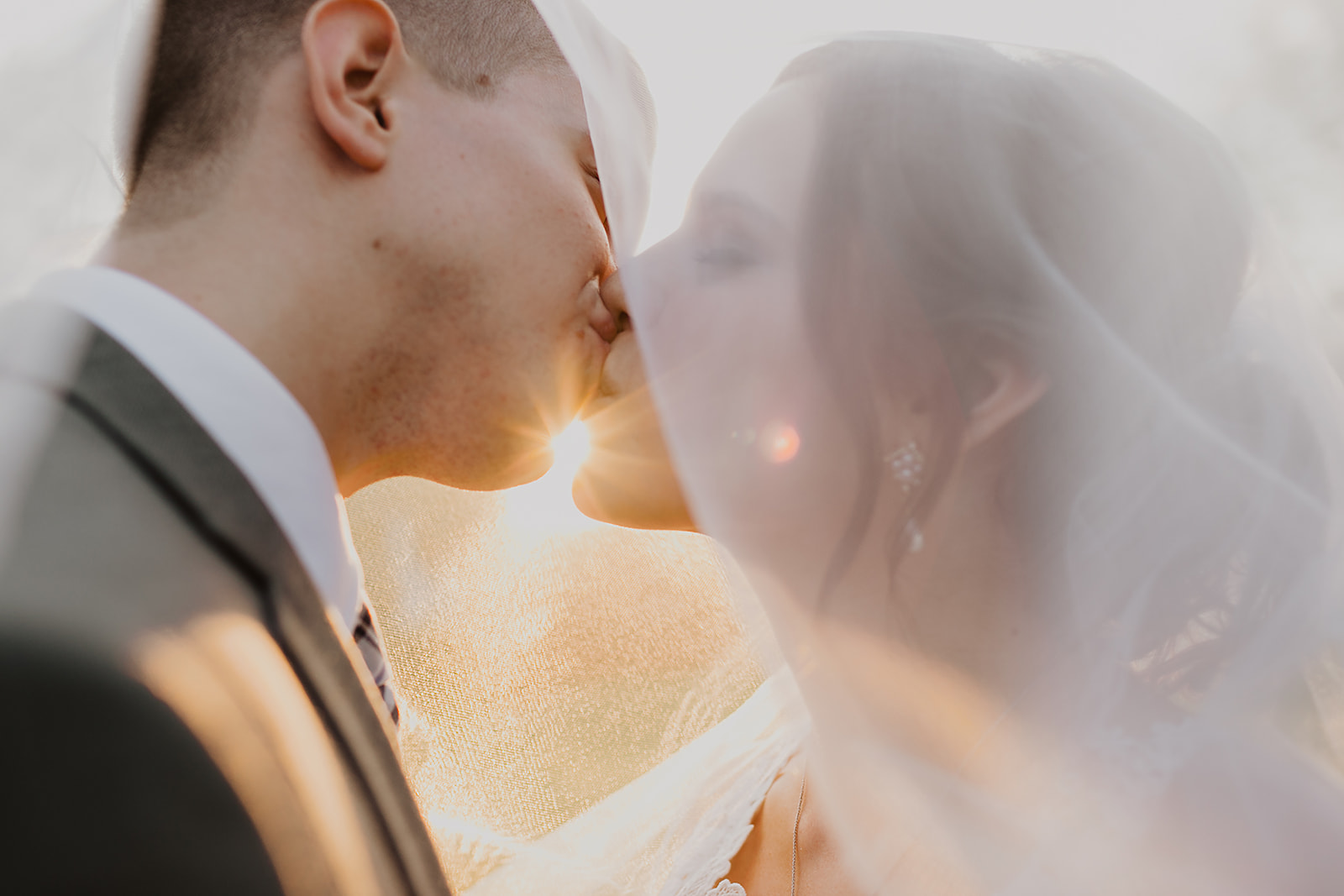 Kendra_and_Mattew_Indiana_Wedding_by_Emily_Wehner-916.jpg