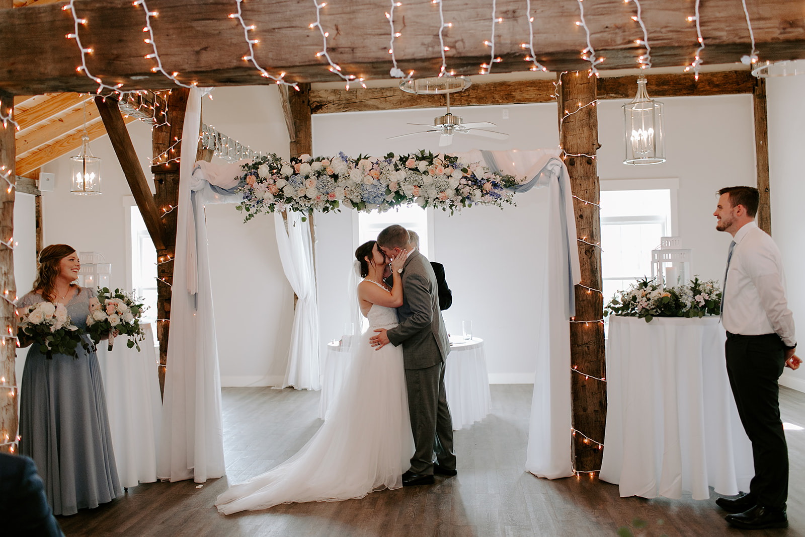 Kendra_and_Mattew_Indiana_Wedding_by_Emily_Wehner-605.jpg
