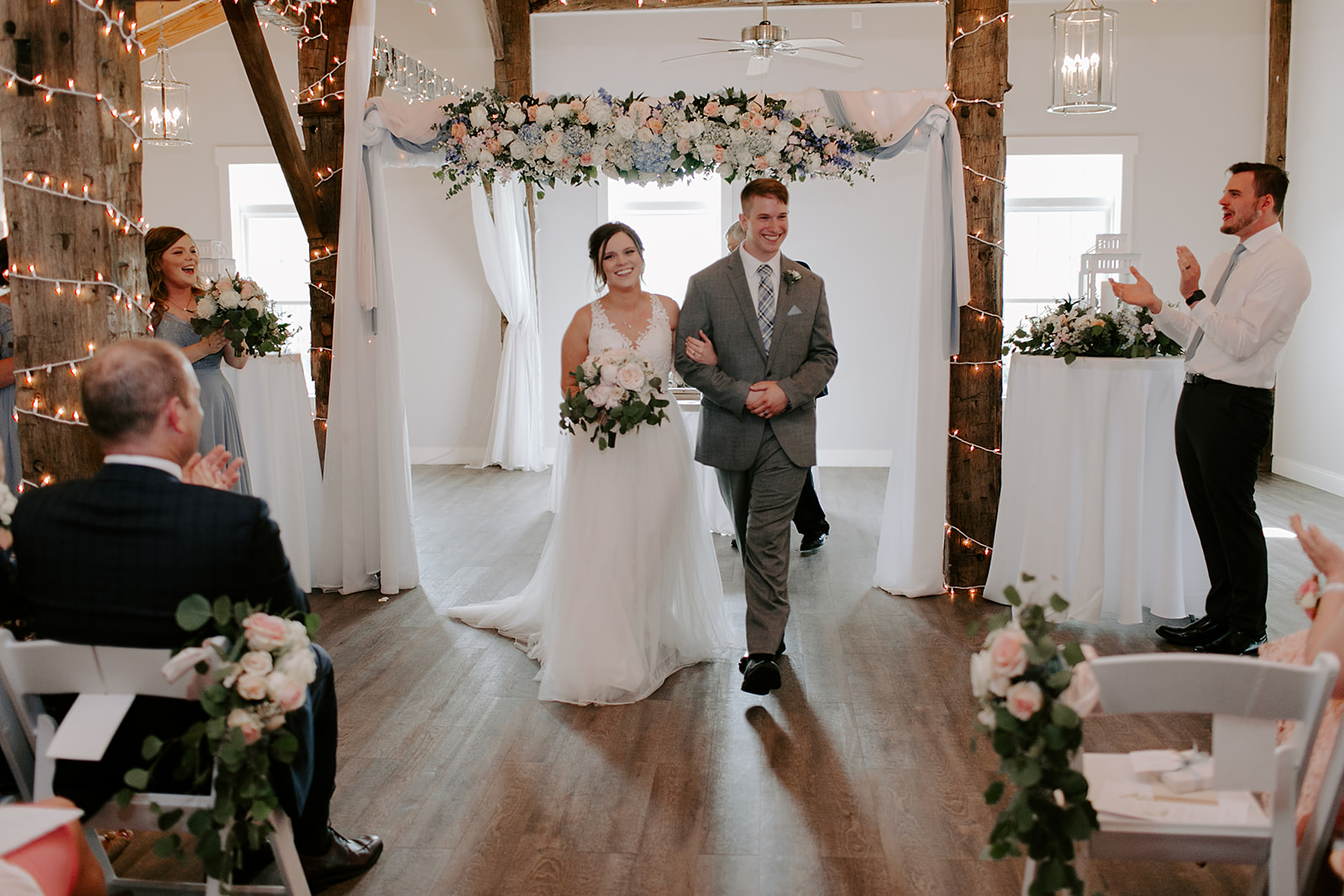 Kendra_and_Mattew_Indiana_Wedding_by_Emily_Wehner-609.jpg