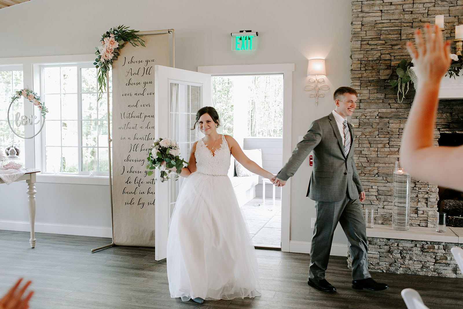 Kendra_and_Mattew_Indiana_Wedding_by_Emily_Wehner-695.jpg