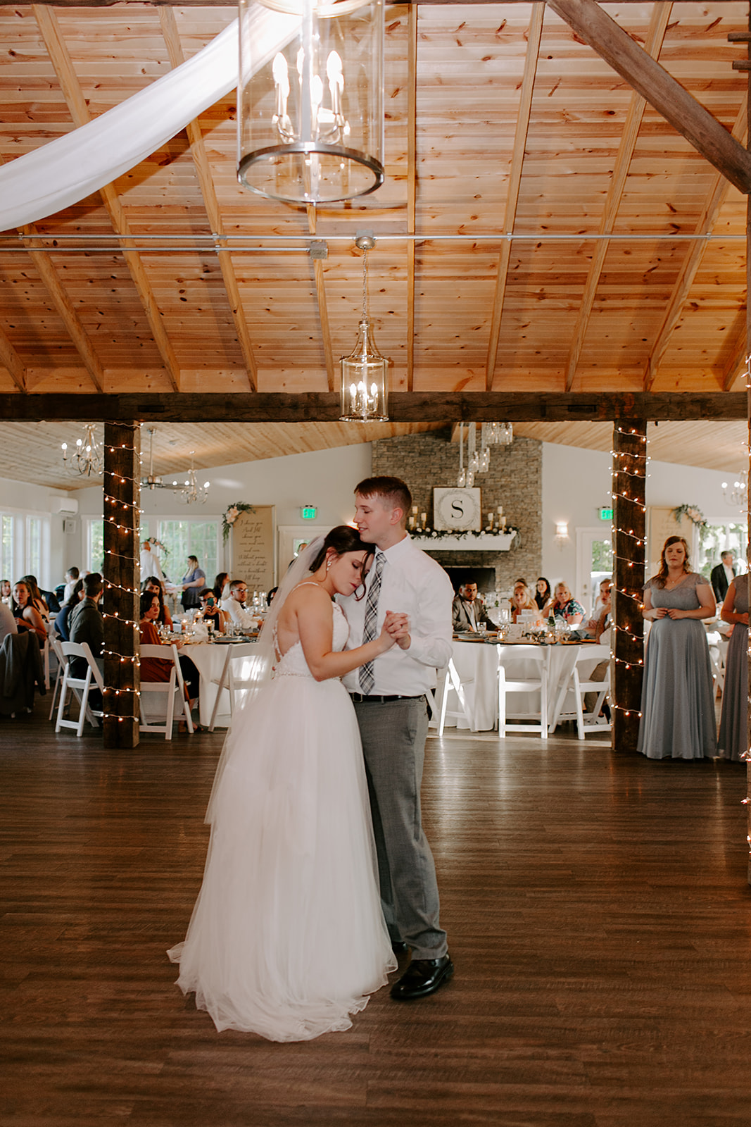 Kendra_and_Mattew_Indiana_Wedding_by_Emily_Wehner-804.jpg