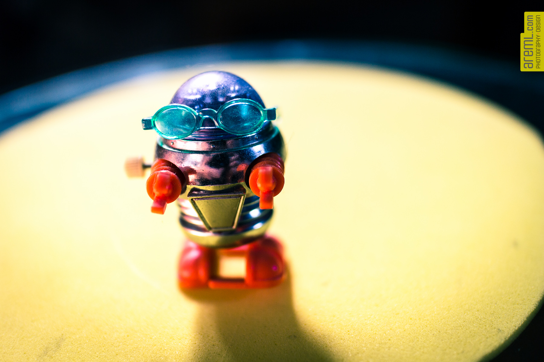 This is the tiniest robot in my collection. About 1.5 inches high. Had this thing forever. Since I was maybe 8?