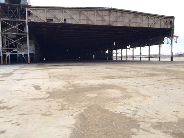 The saved portion of the Willow Run Bomber Plant, after demolition of the remainder of the plant, but before the commencement of restoration work.