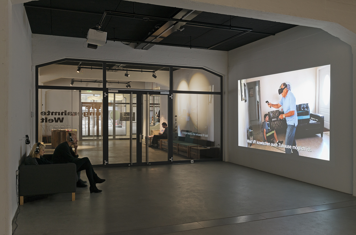 Exhibition view THE UNFRAMED WORLD at HeK Basel / Kindly Keyin, The Story of VR - A Look at the History Behind, 2016 (Video) / Photo by Franz Wamhof